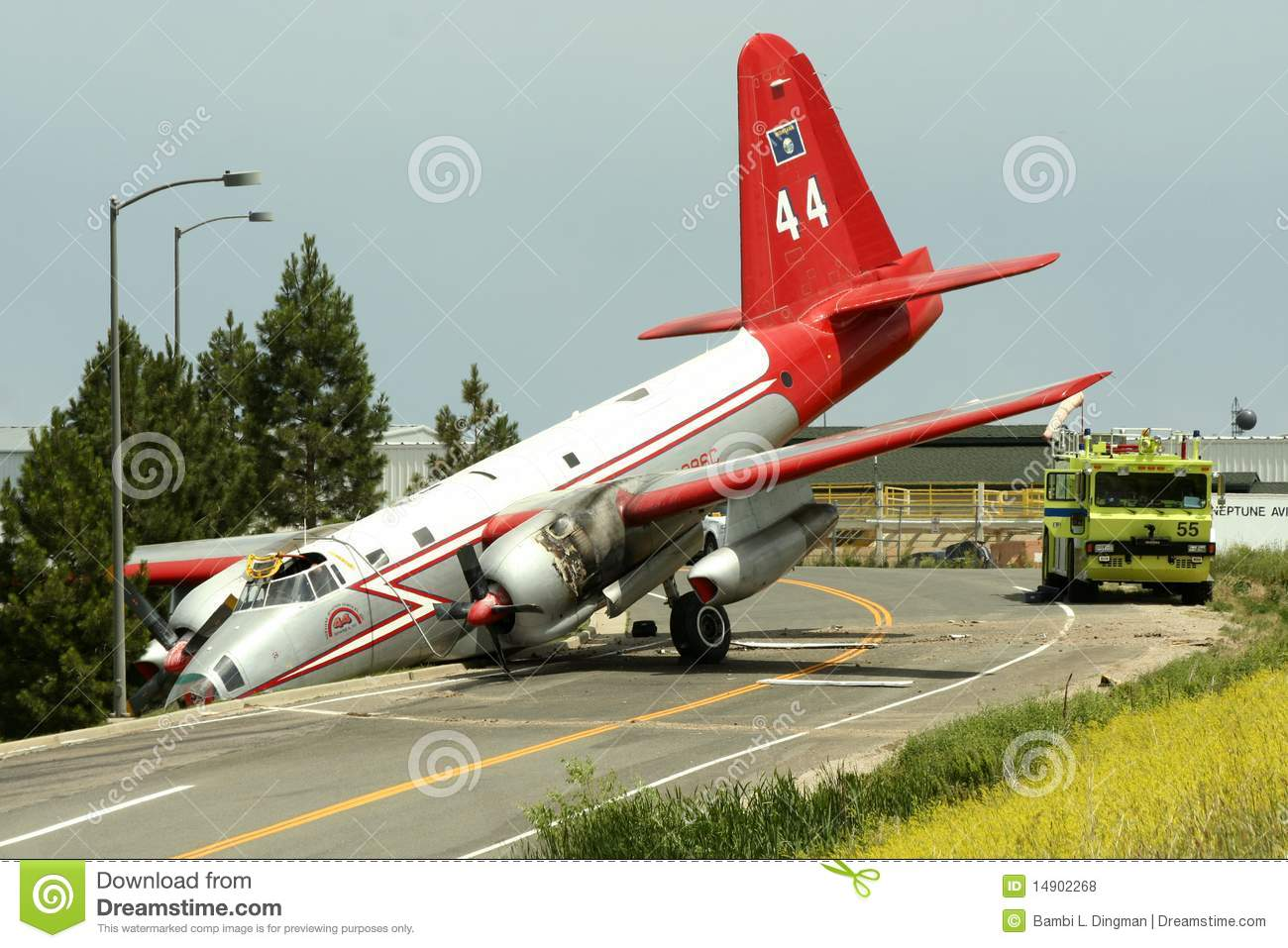rc airplane crash with Photos Libres De Droits Accident D Avion Image14902268 on Watch as well Watch besides Flutter Aircraft Flutter additionally Ivory Coast Plane Crash 4 Killed additionally Watch.