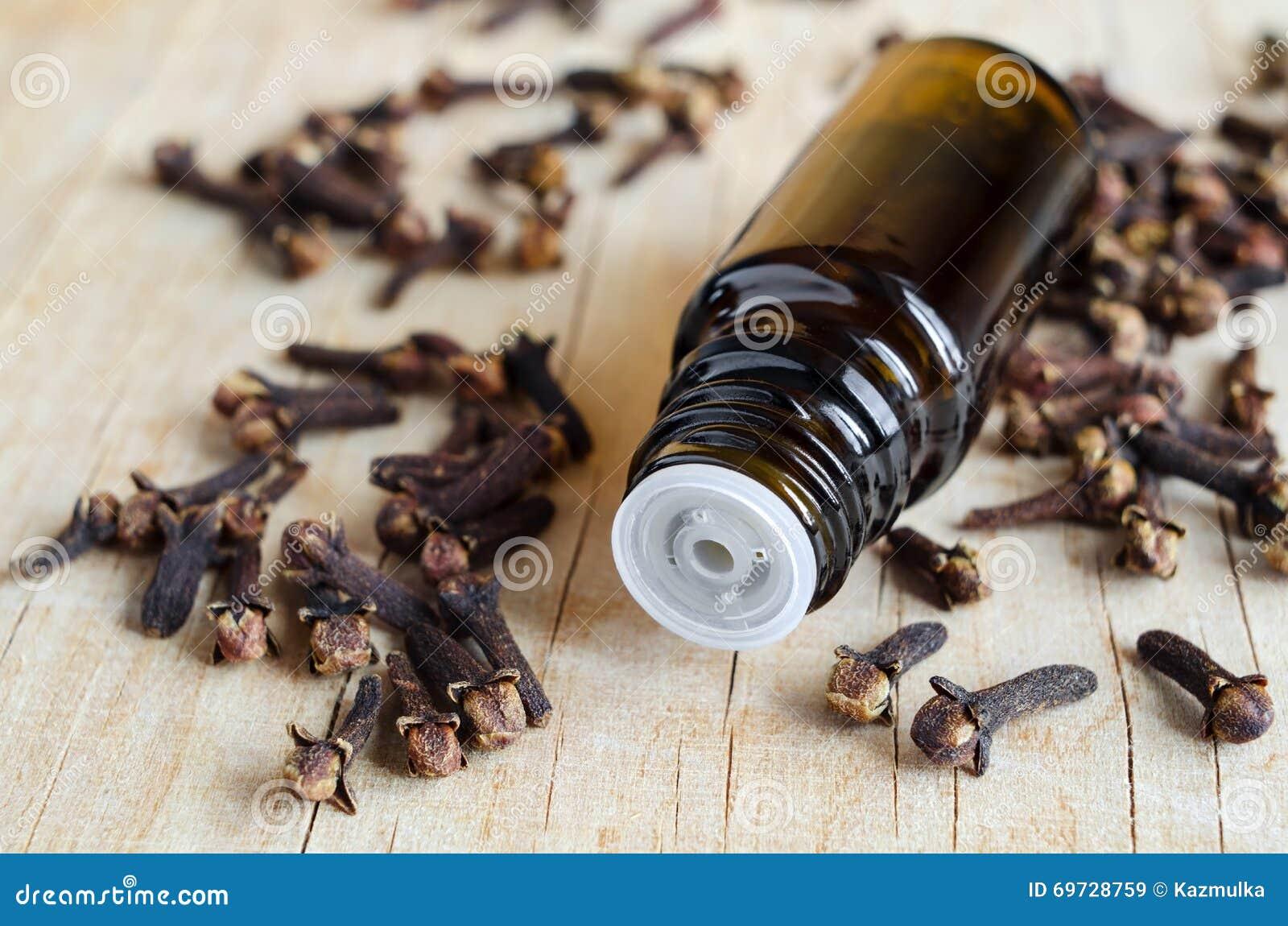 Aceite de clavo esencial