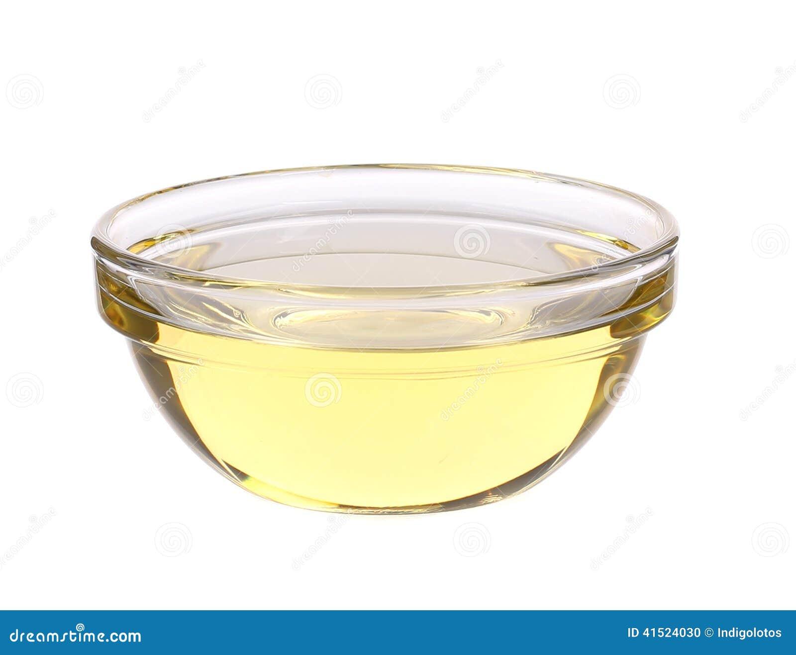 Aceite de girasol en bol de vidrio foto de archivo - Bol de vidrio ...