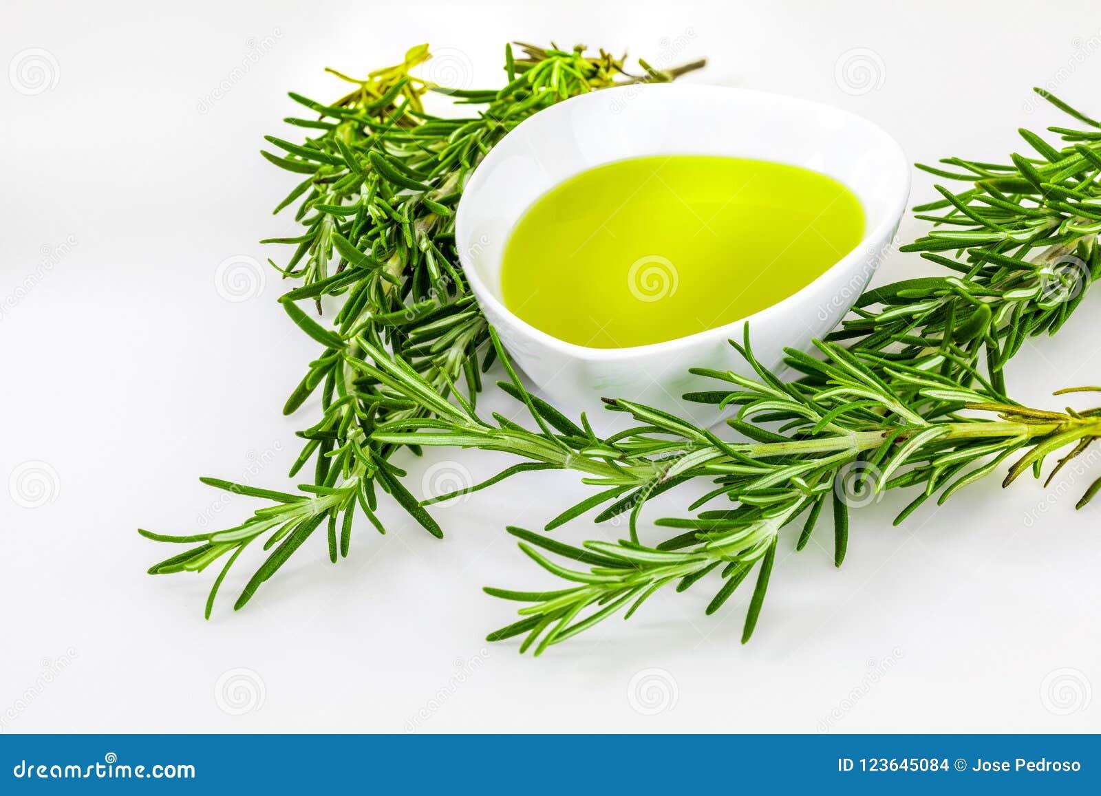 Aceite y extractos esenciales de verde del romero