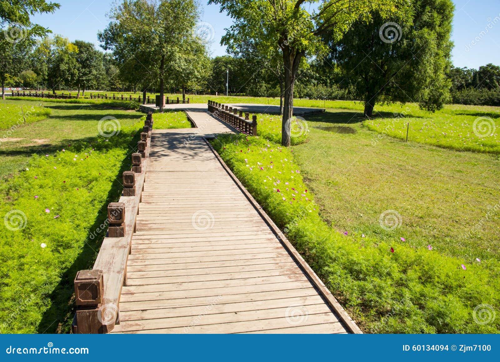 Verjas de madera para jardin ideas de disenos for Verjas para jardin