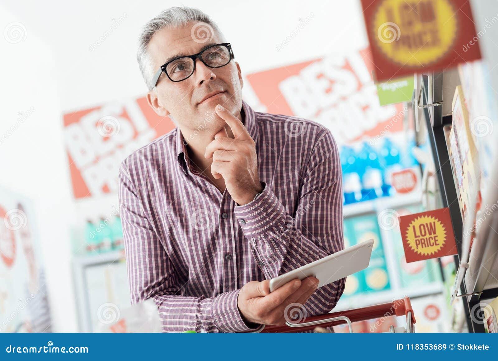 Achats d homme au magasin