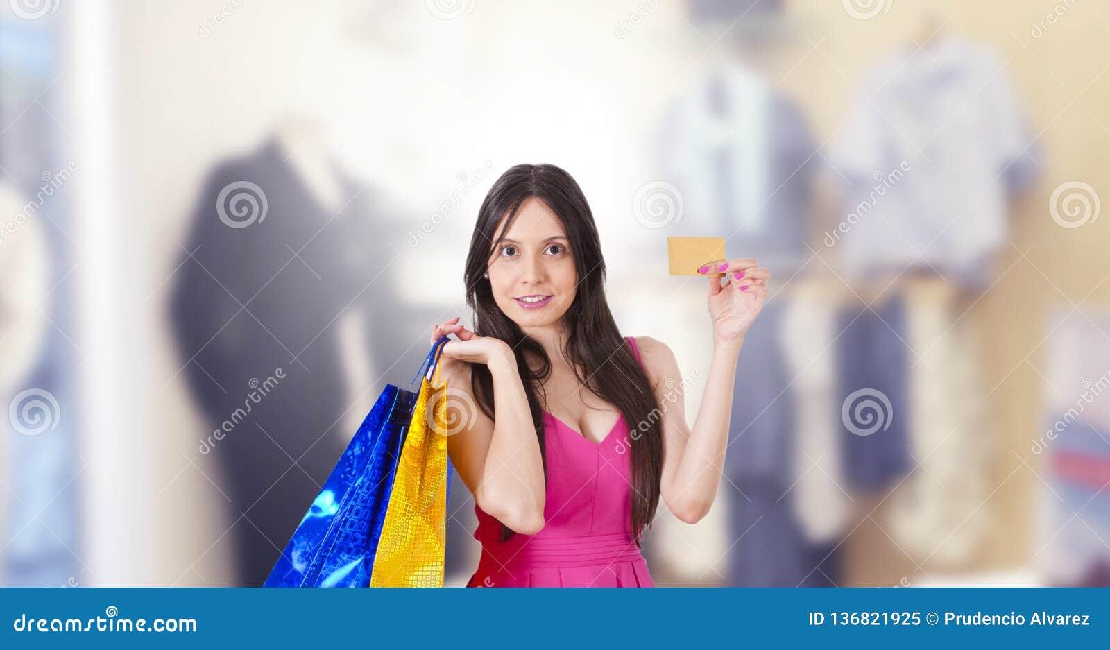 Achats de femme avec la carte de cr?dit