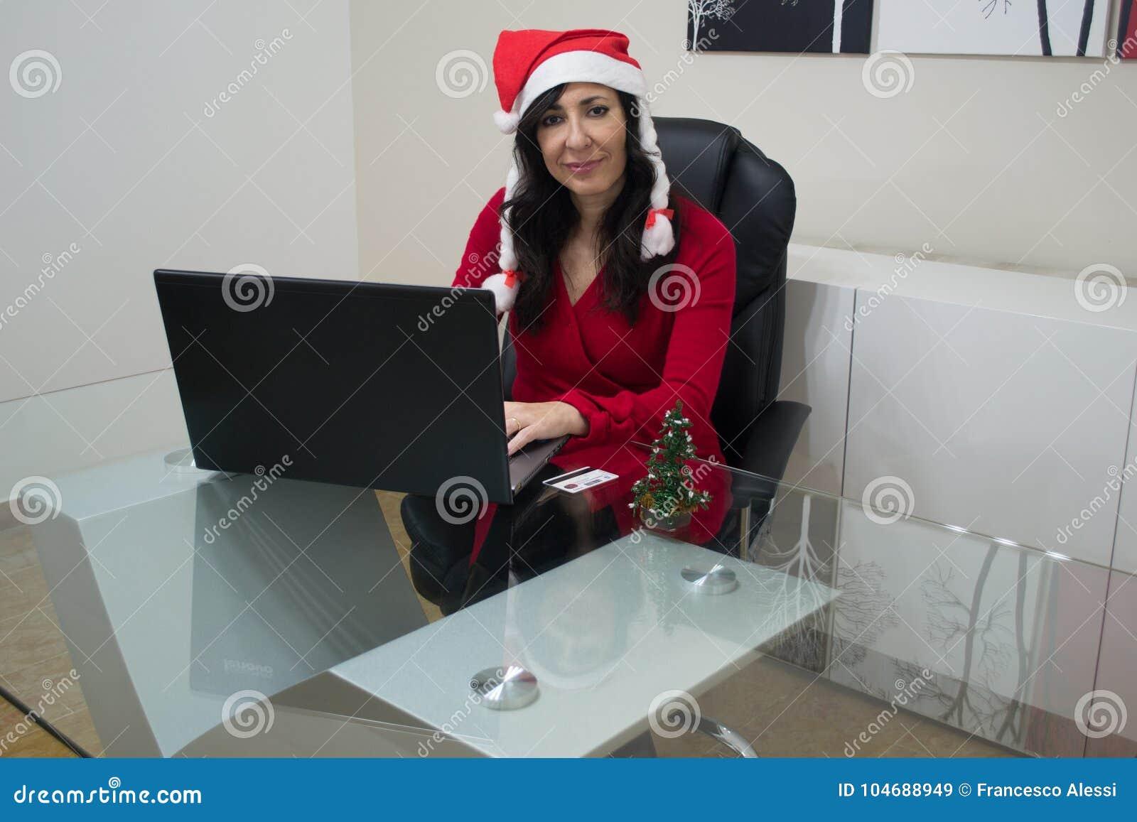 Achats en ligne de femme de Noël de Santa