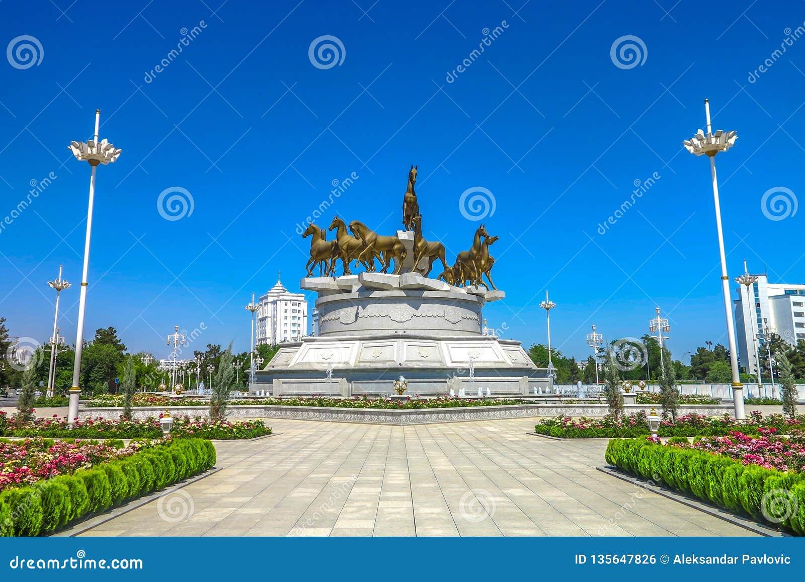 Achgabat Turkménistan Akhal Teke 03