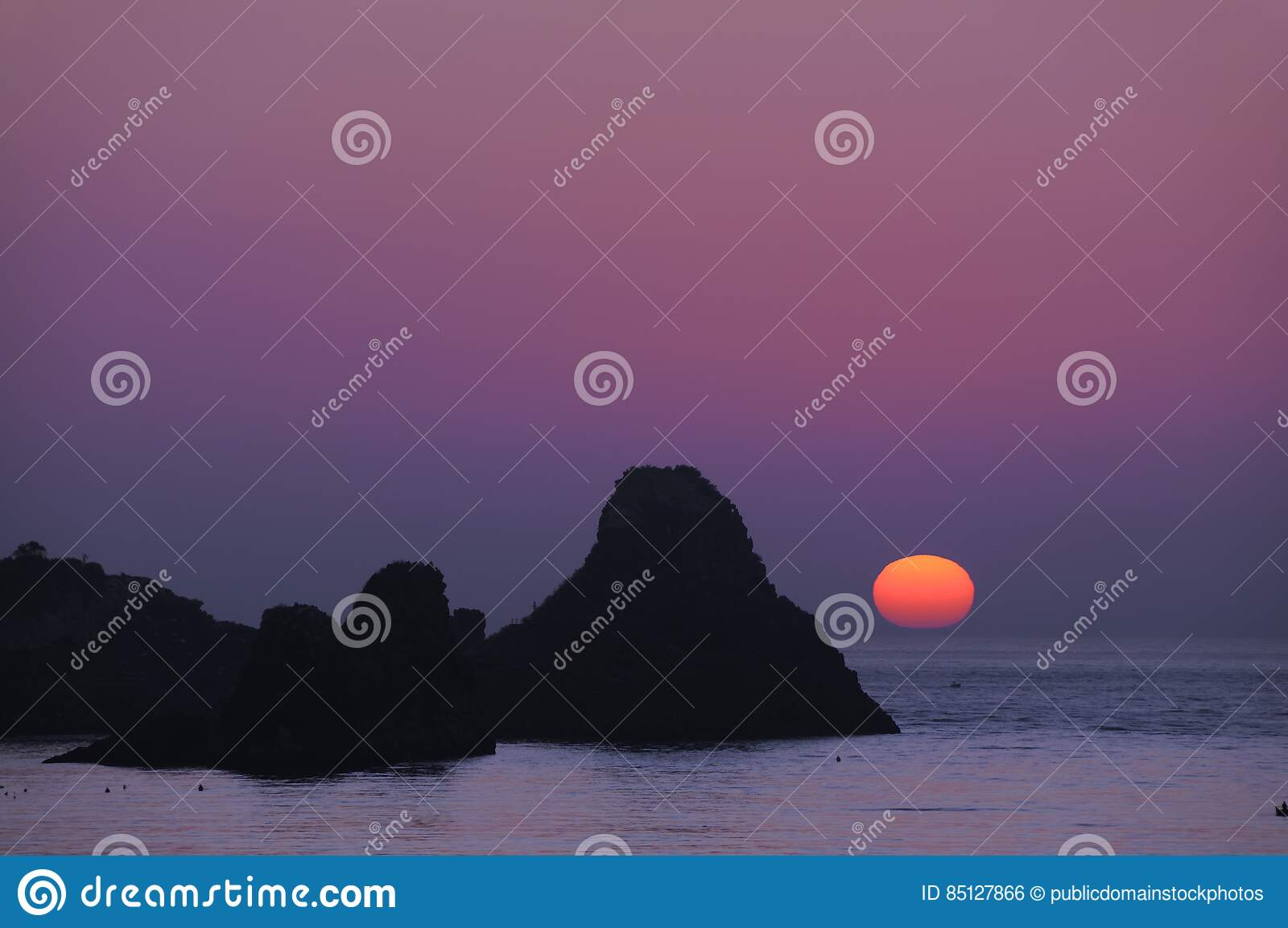 Download Aci Castello Sicily Italy - Creative Commons By Gnuckx Stock Photo - Image of cyclops, fishermen: 85127866