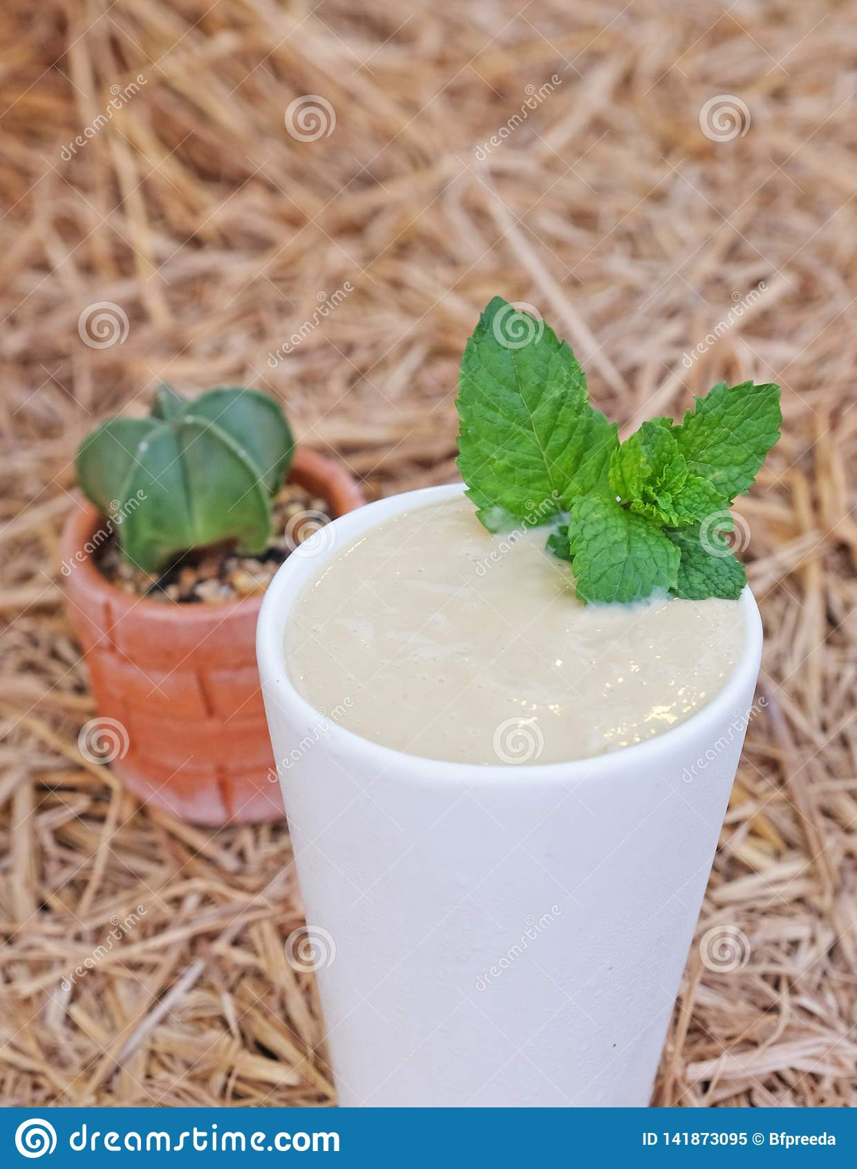 Acocado用牛奶