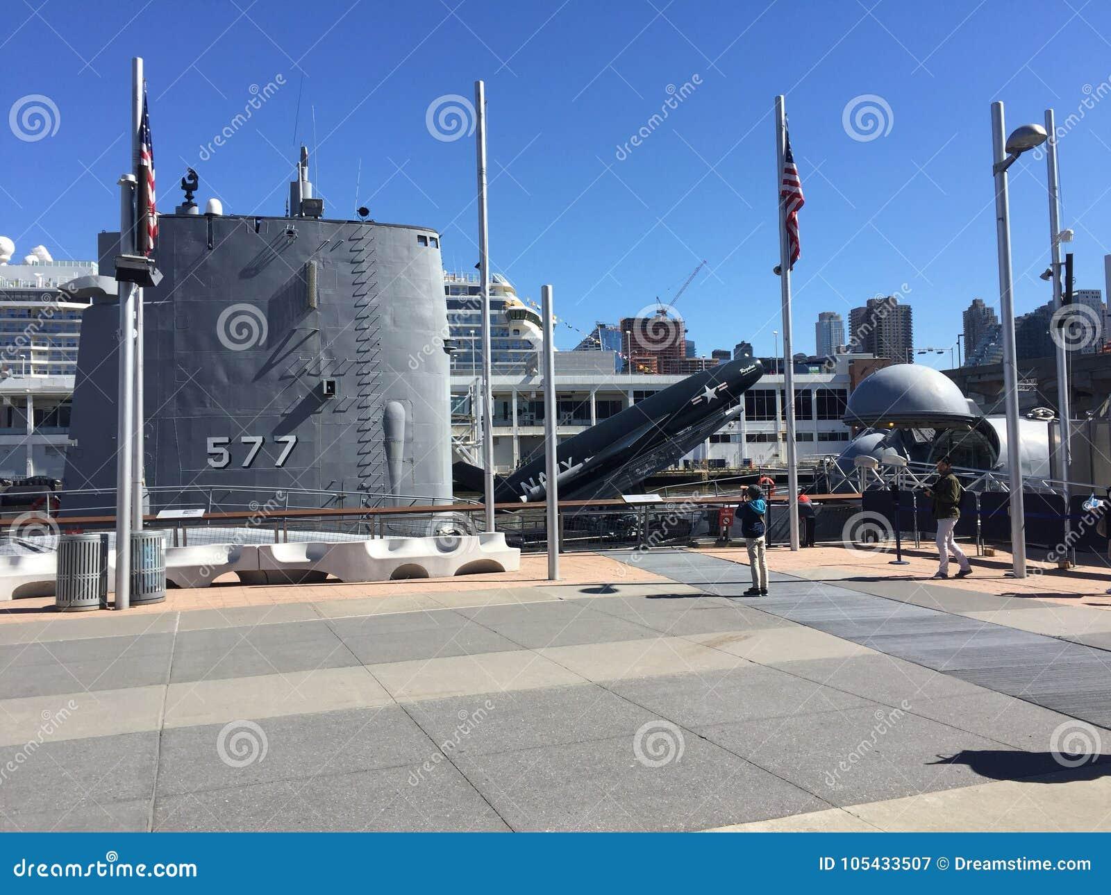 Acorazado submarino militar
