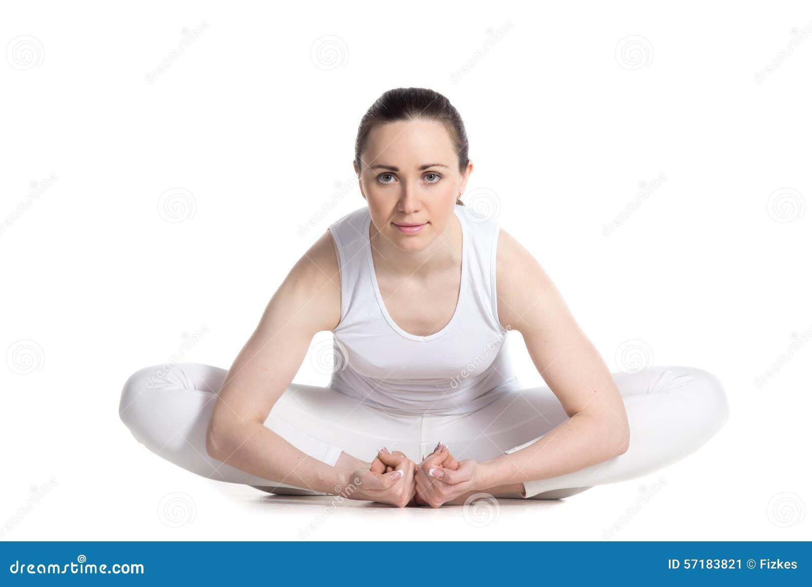 Actitud De La Yoga De La Mariposa Imagen de archivo ...