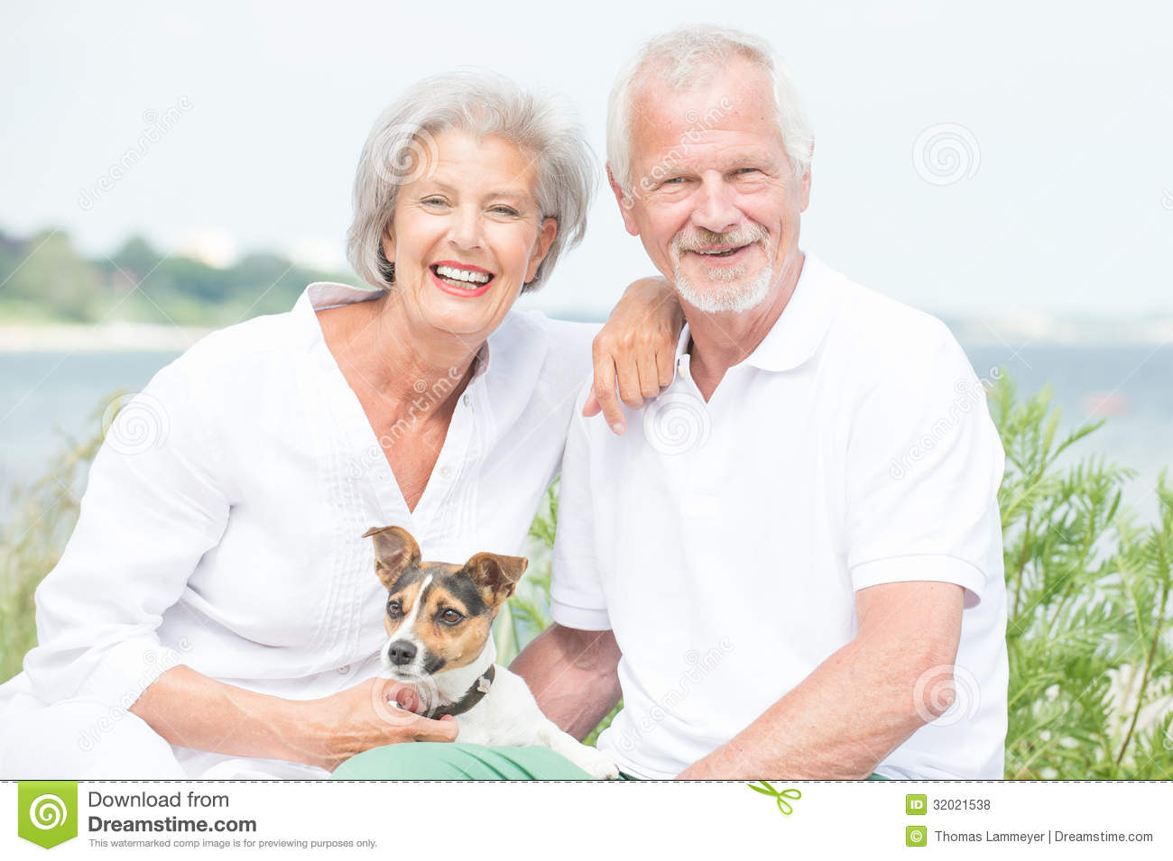online dating seniors free Matchmakers help those over 60 handle dating's about 90 percent of the estimated 3,000 matchmakers in the united states will work with seniors.