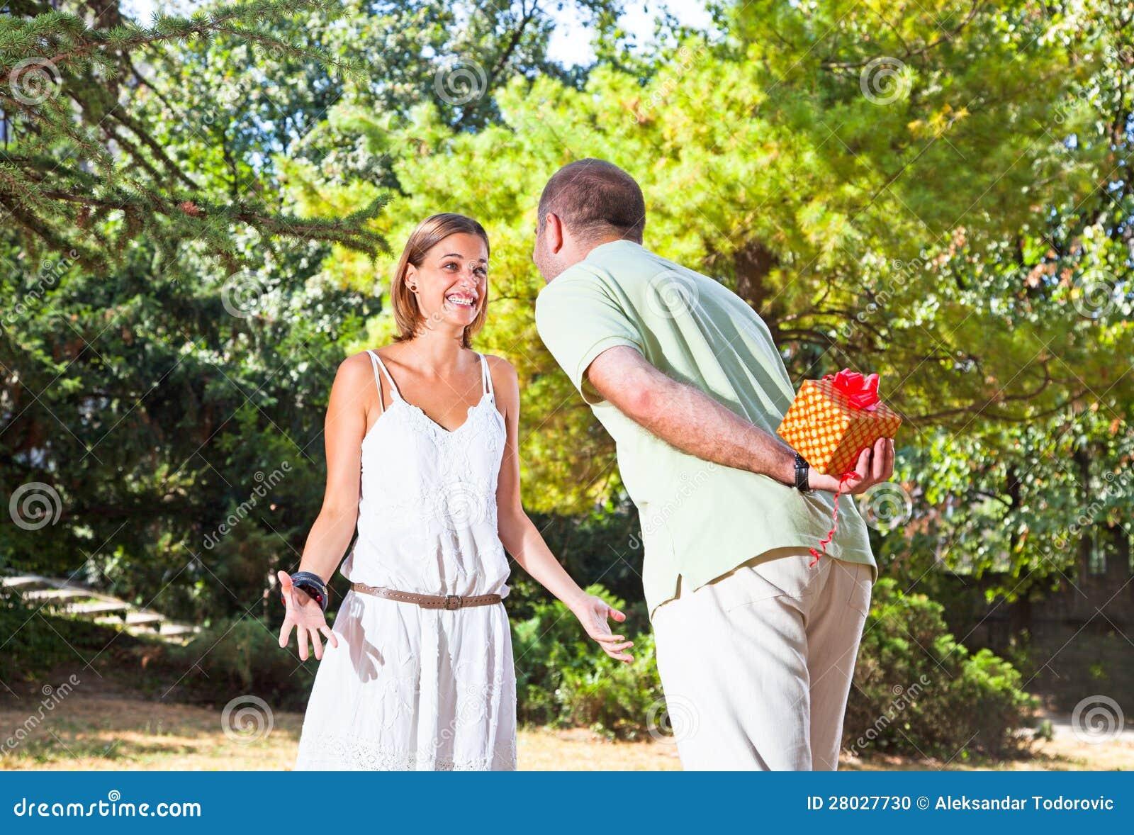 Actual regalo del hombre para su novia