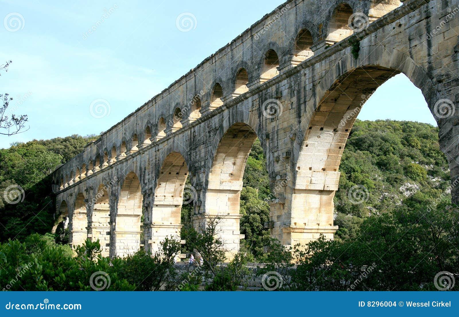 Acueducto romano nombrado pont du gard en francia - Bater roca precios ...