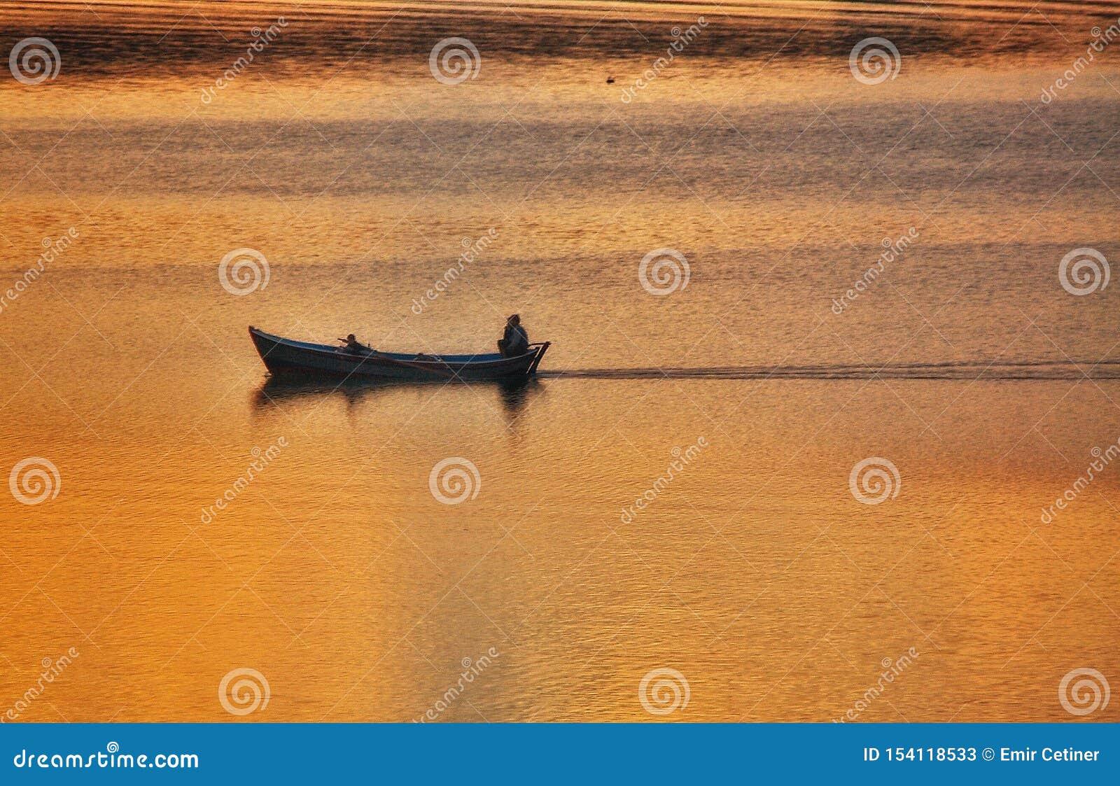 Adana Seyhan jeziora zmierzch
