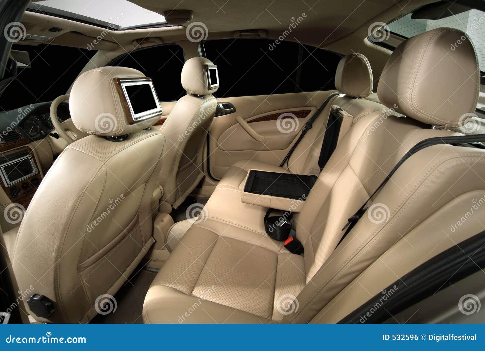 Adattamento dell interiore dell automobile del progettista
