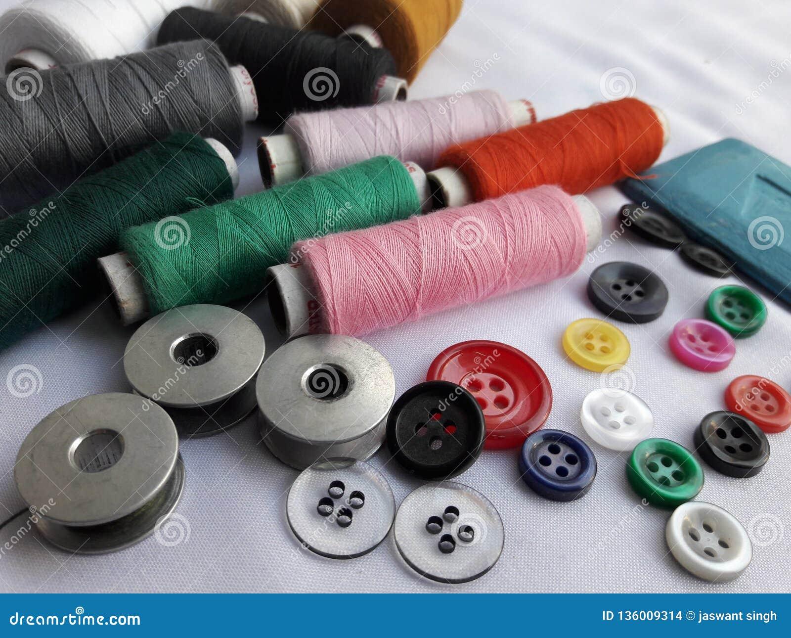 Adattamento delle bobine matirial del filo, bottoni, gesso, rotoli