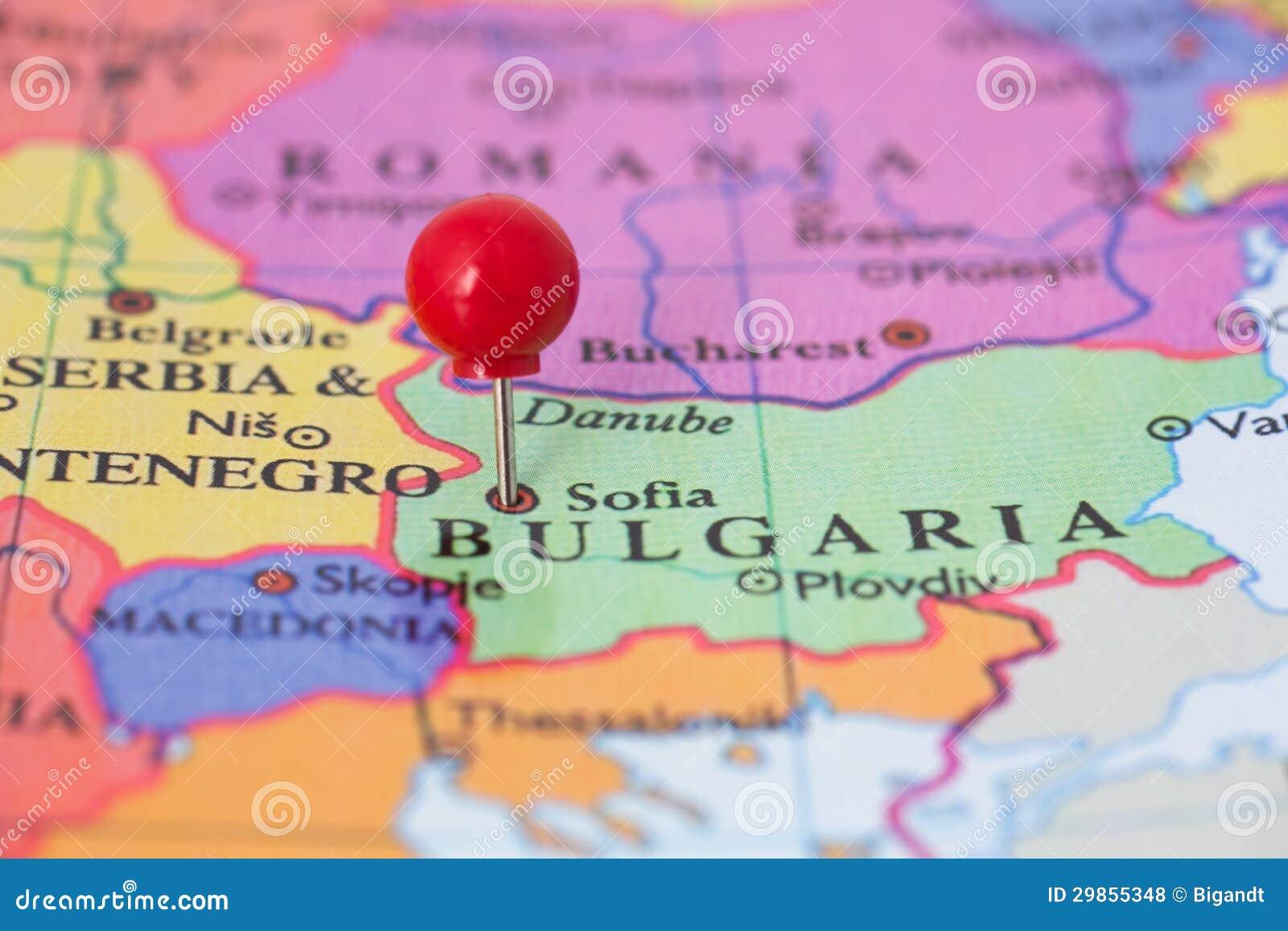 Pushpin vermelho no mapa de Bulgária
