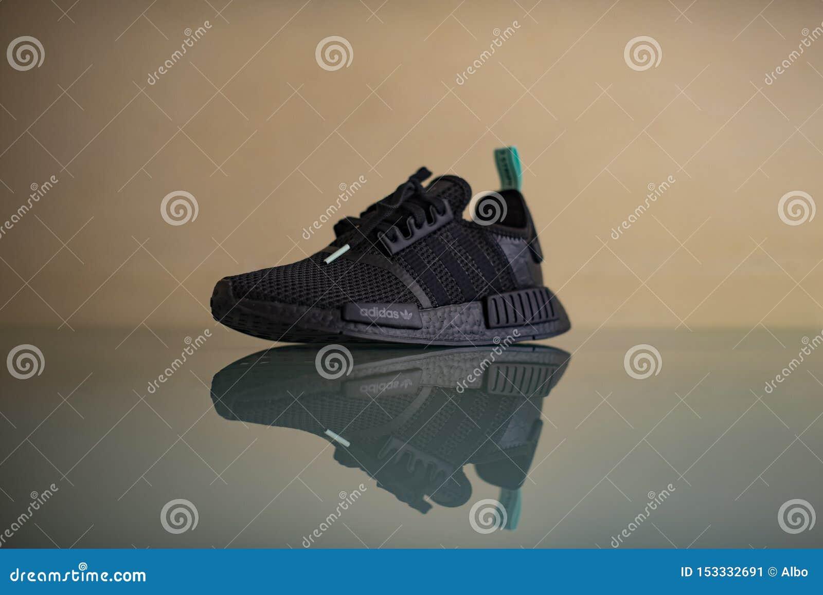 adidas italy nmd