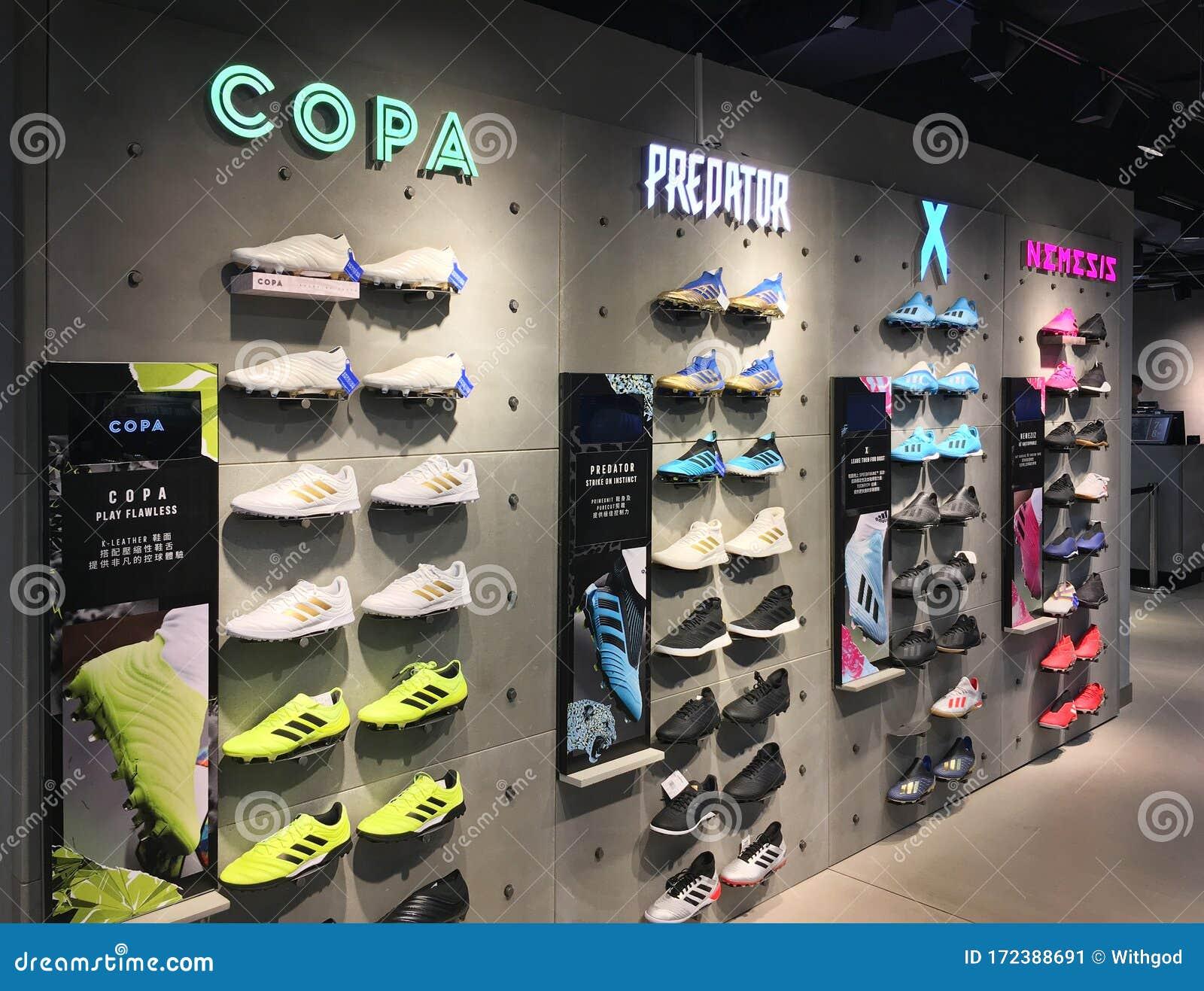realce Dolor biografía  Adidas Store In Hankow Road, Hong Kong Editorial Photo - Image of china,  hong: 172388691