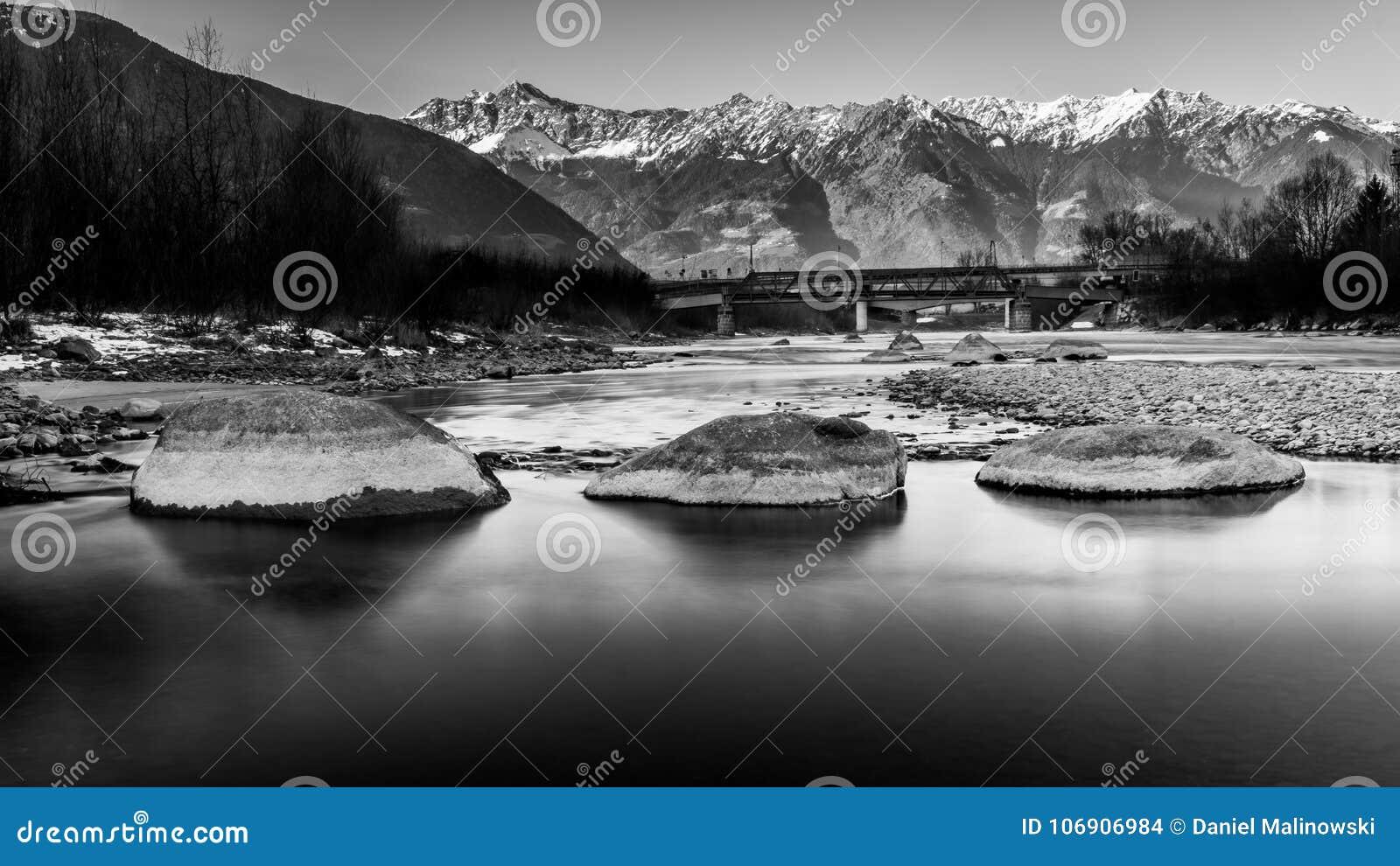 Adige rzeka w Włochy
