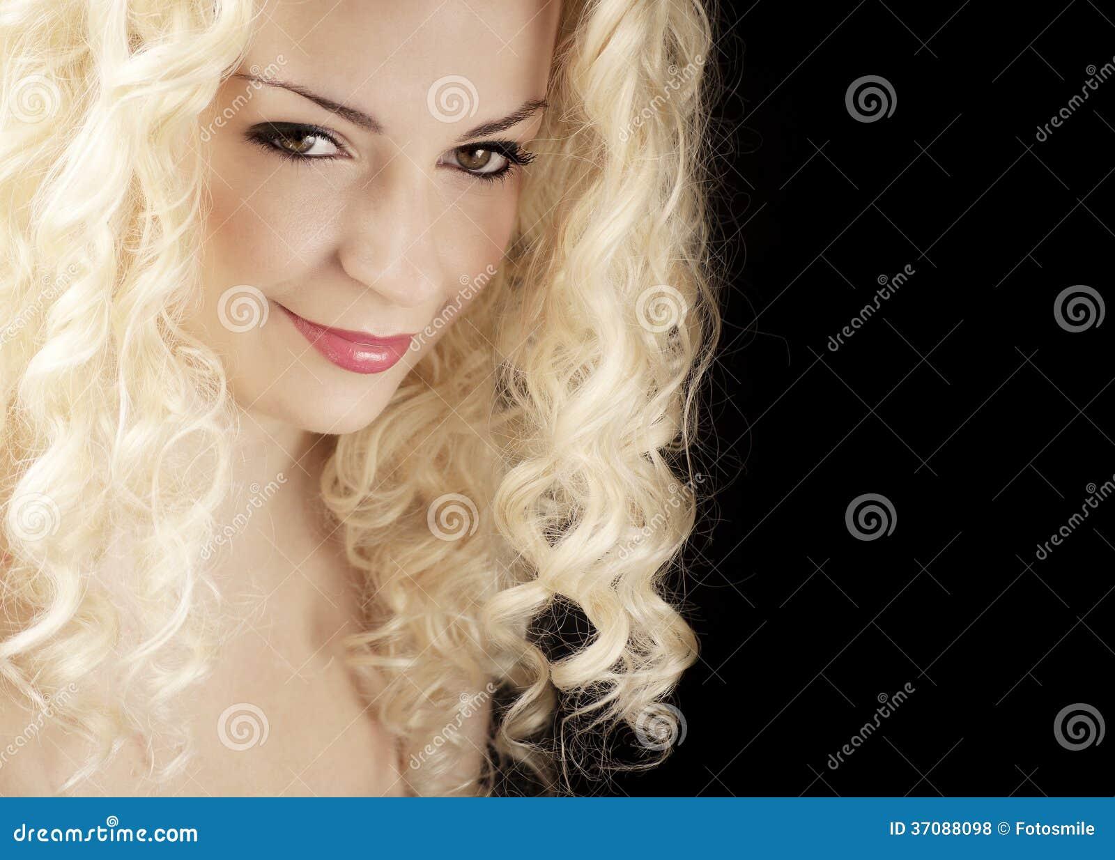 Download Ładna kobieta zdjęcie stock. Obraz złożonej z piękno - 37088098