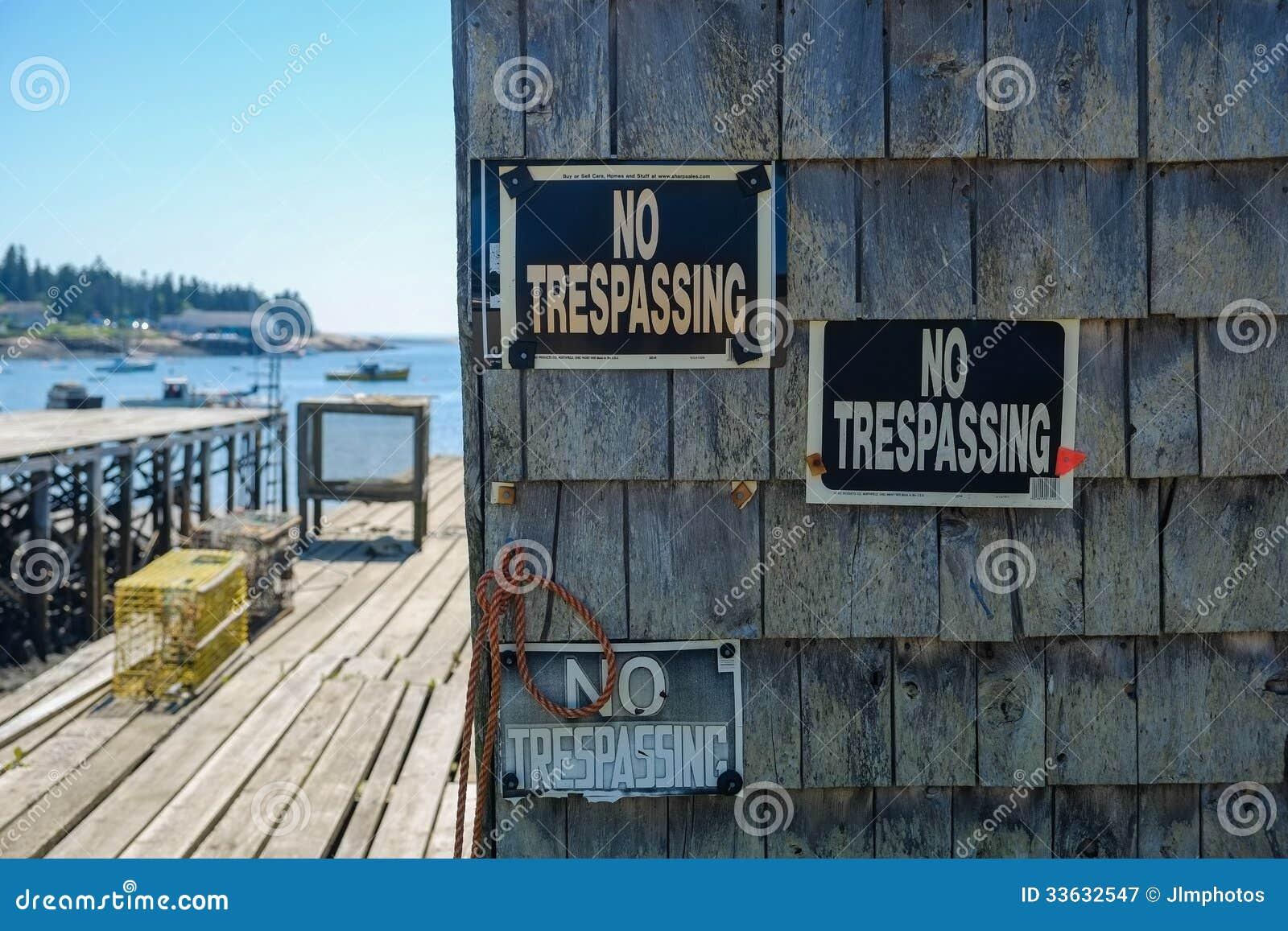 Żadny Trespassing znaki na homar chałupie