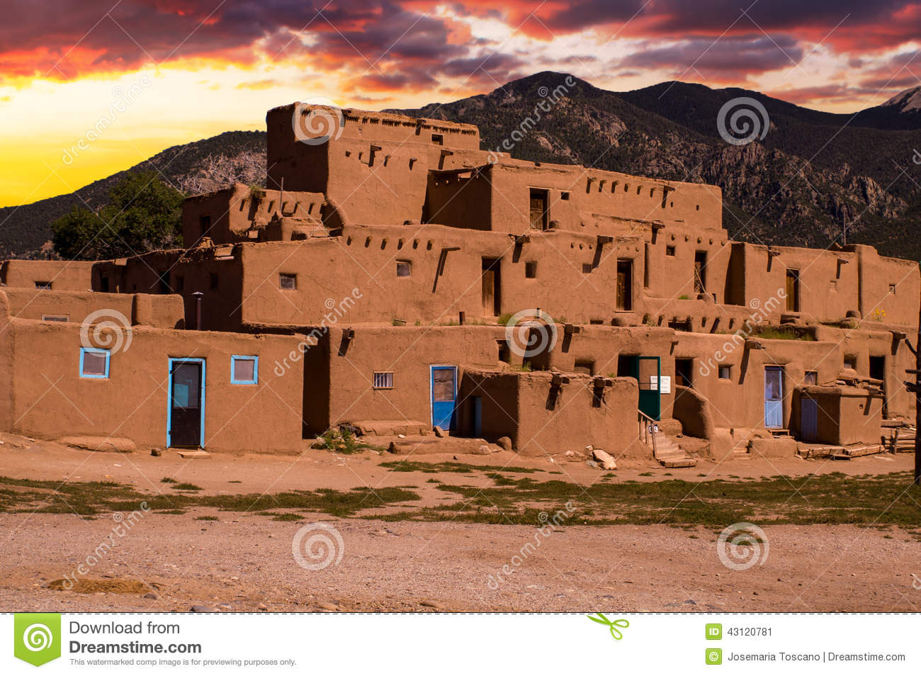 Adobe houses in the pueblo of taos new mexico usa stock for Adobe construction pueblo co