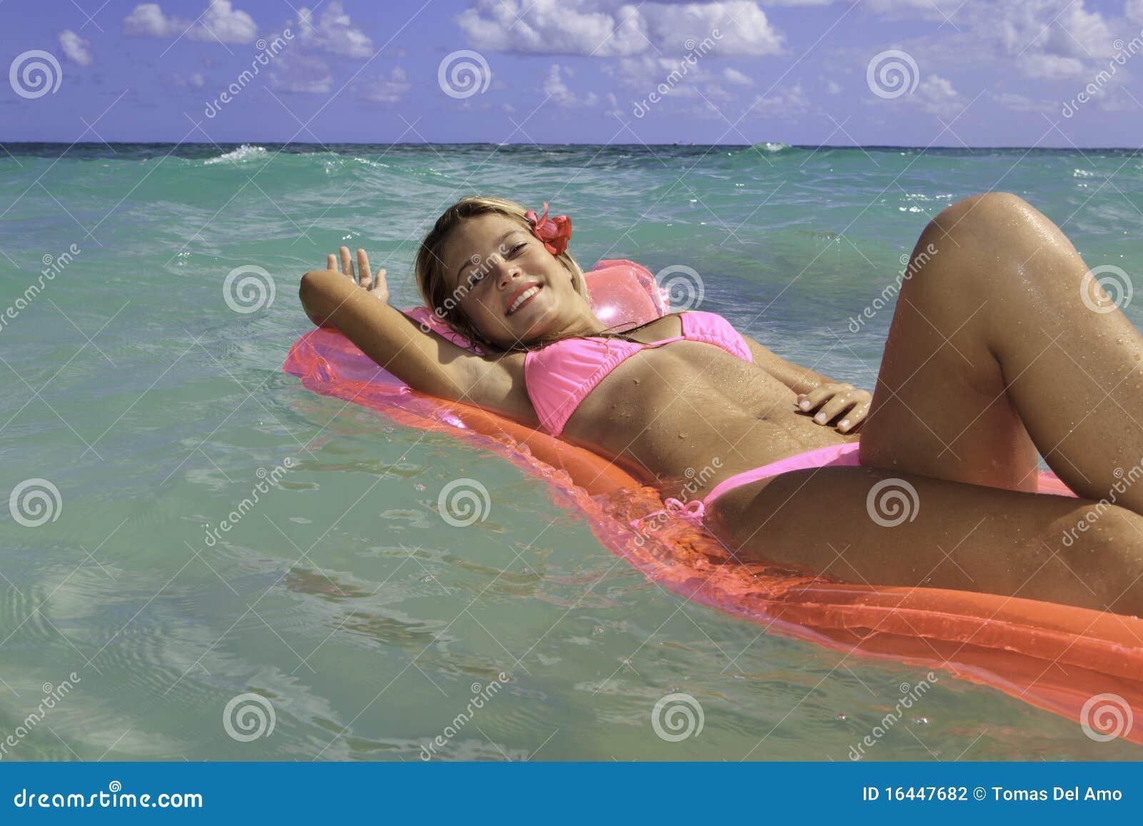 Est votre adolescence bikini
