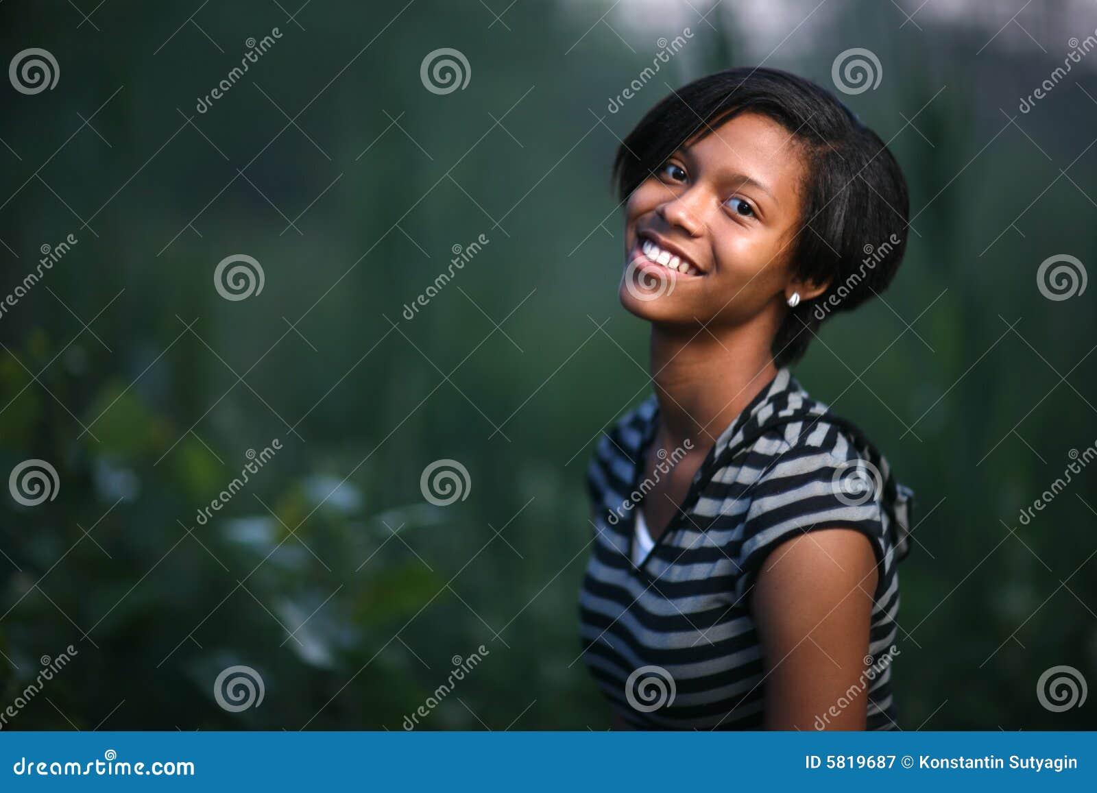 Adolescente del afroamericano