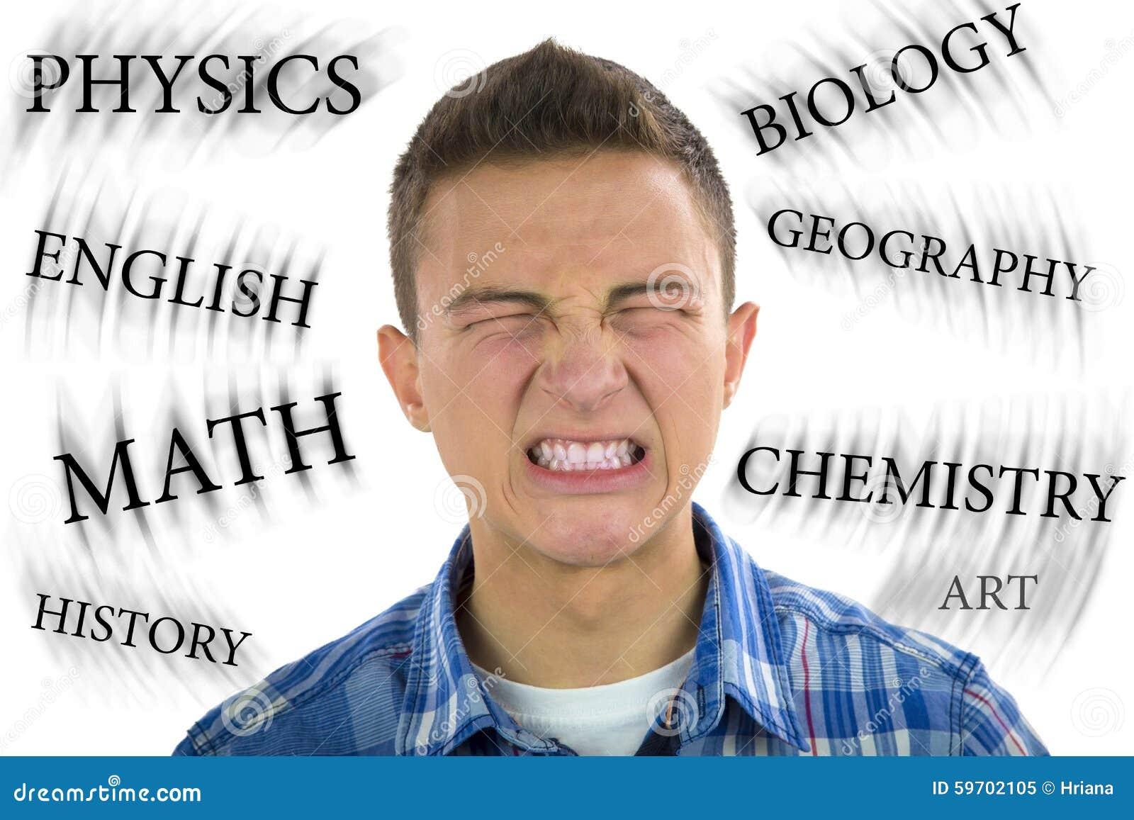 Adolescente sob o esforço severo do estudo