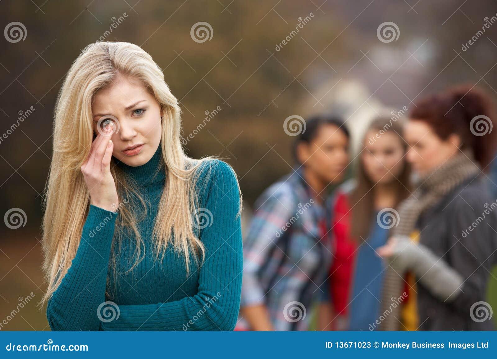 Adolescente Upset con pettegolare degli amici