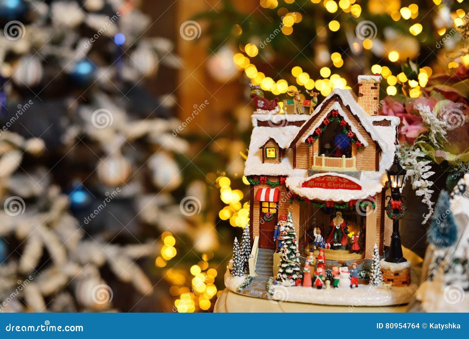 Adorable christmas music toy house with miniature santa for Christmas house music