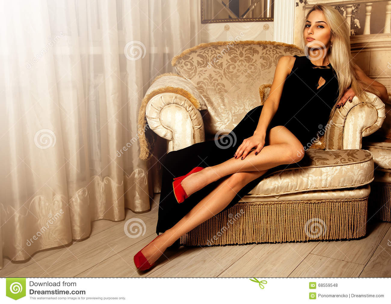Academia Dominicana De La Lengua  Hot Blonde With High Heels On-7687