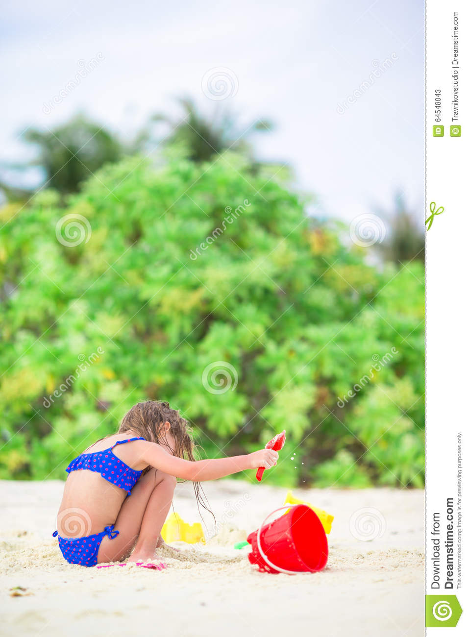Beach Toys For Girls : Adorable little girl playing with beach toys stock photo