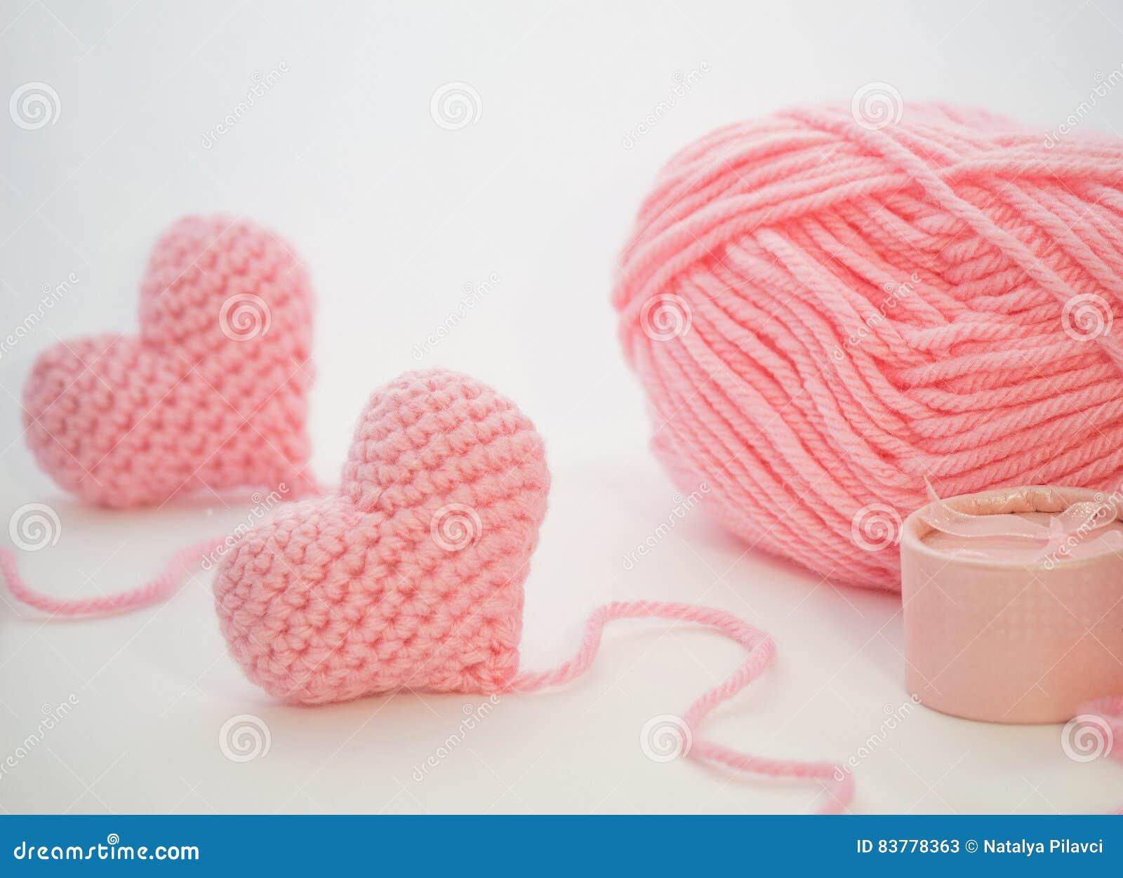 Mini Amigurumi Heart Pattern - Grace and Yarn | 1033x1300