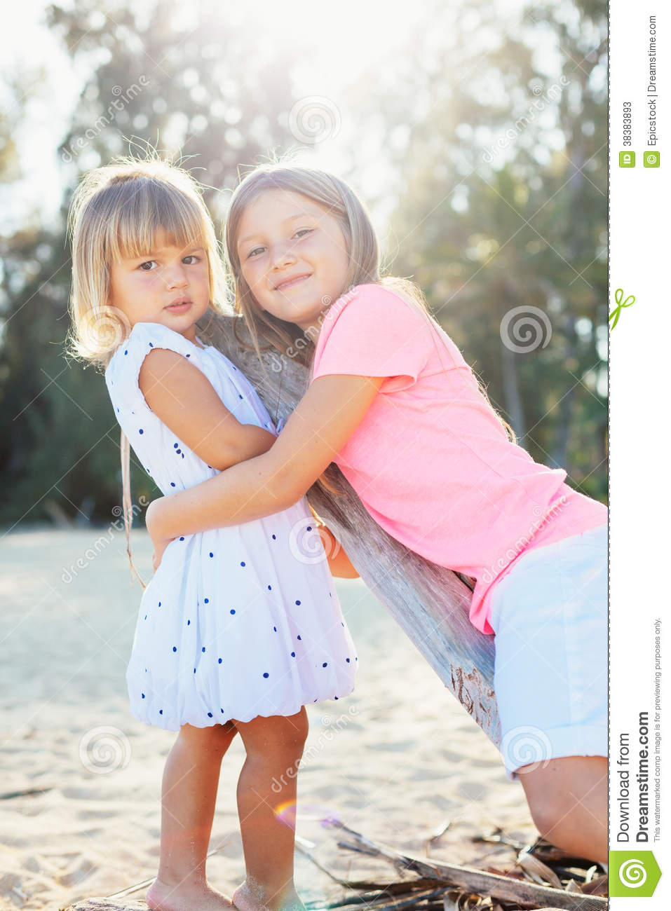 young little girls playing at the beach   hot girls wallpaper