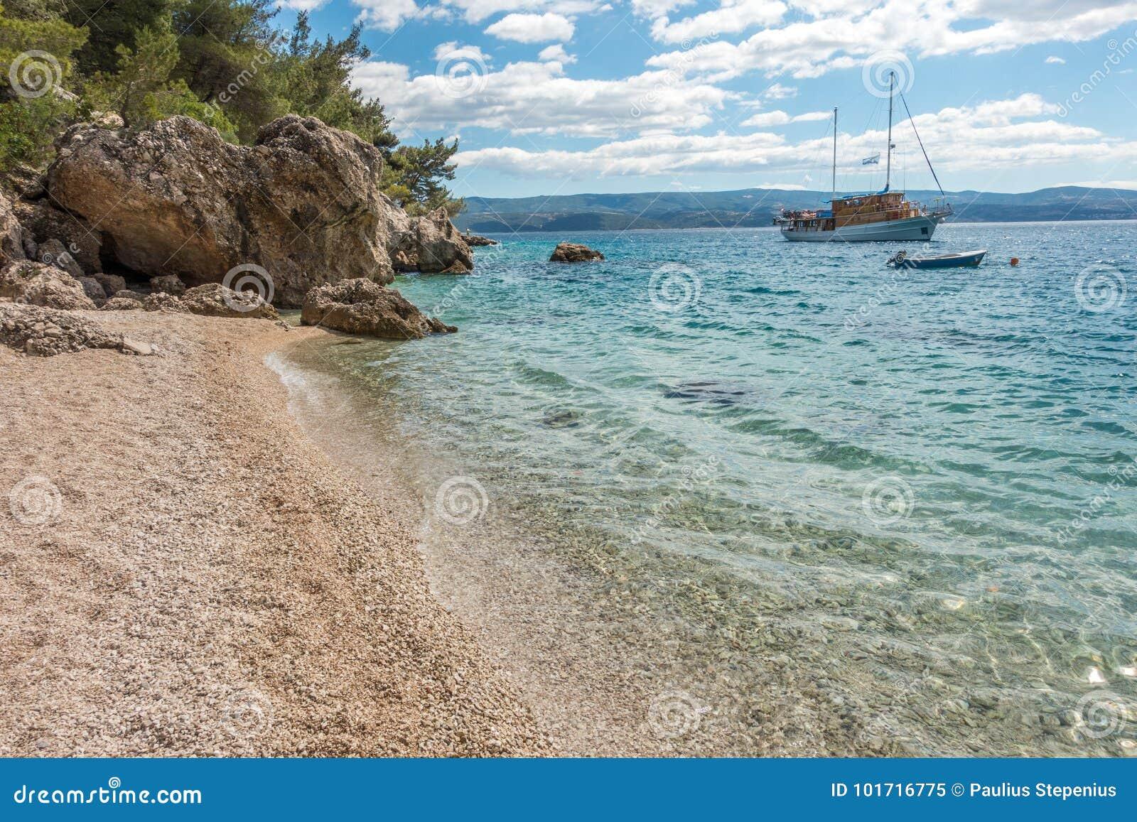 Adriatische overzees in Kroatië