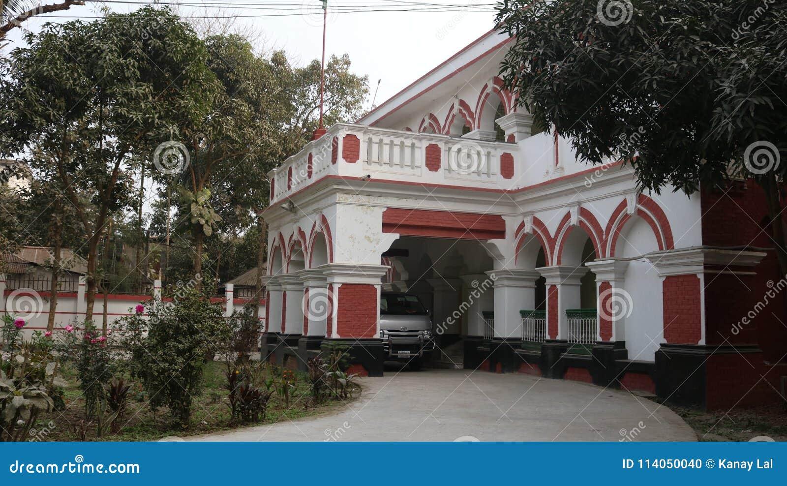 Aduanas hermoso de Rangpur de la opinión de parte delantera del edificio, Rangpur