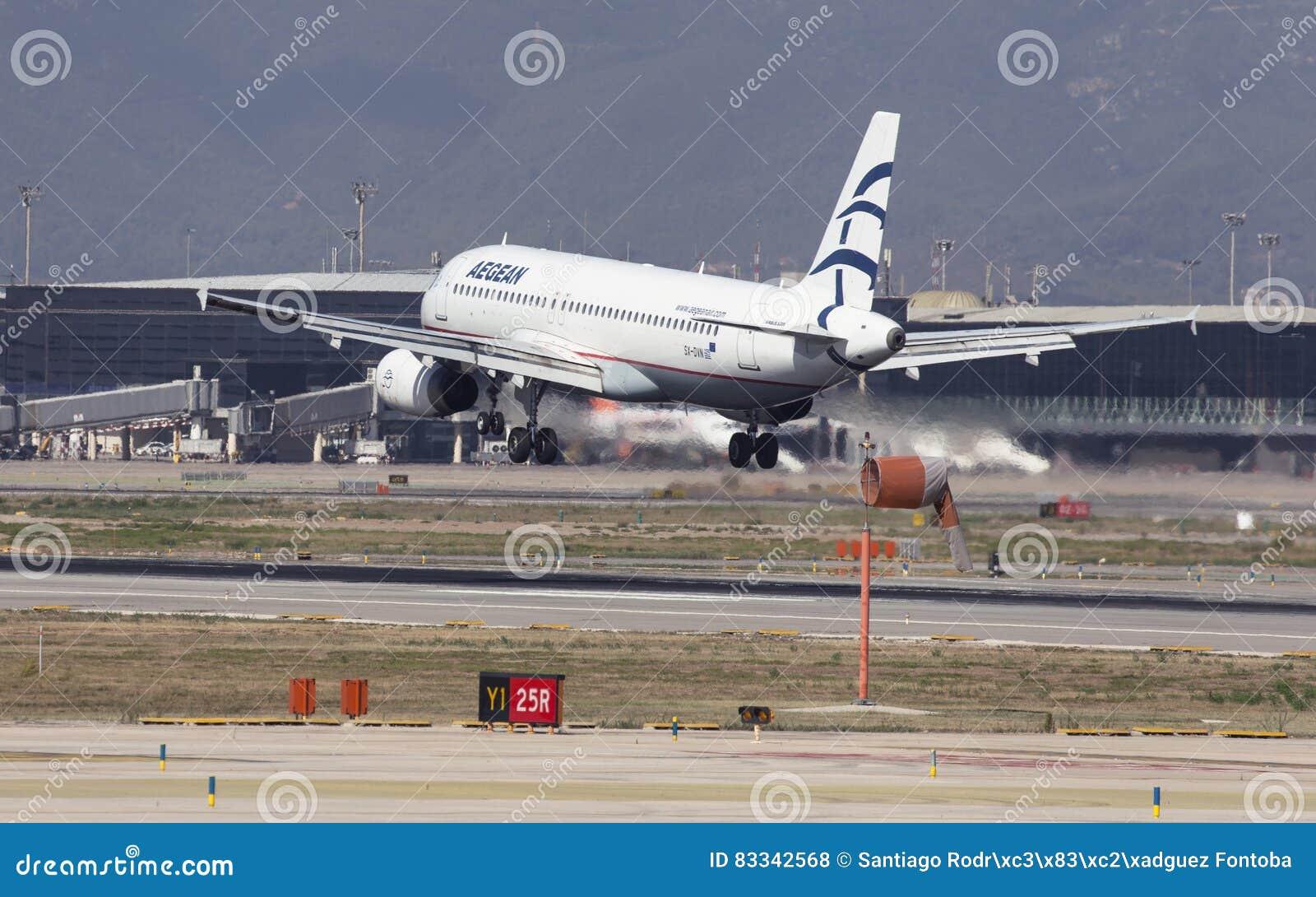 Aegean Airlines-Luchtbus A320 die in Barcelona landen