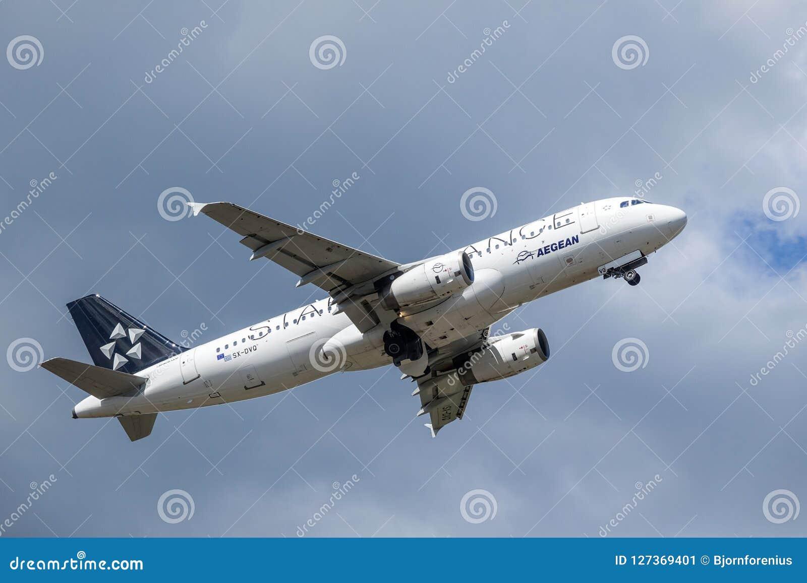 Aegean Airlines, Star Alliance, Airbus A320 - 200 decollano