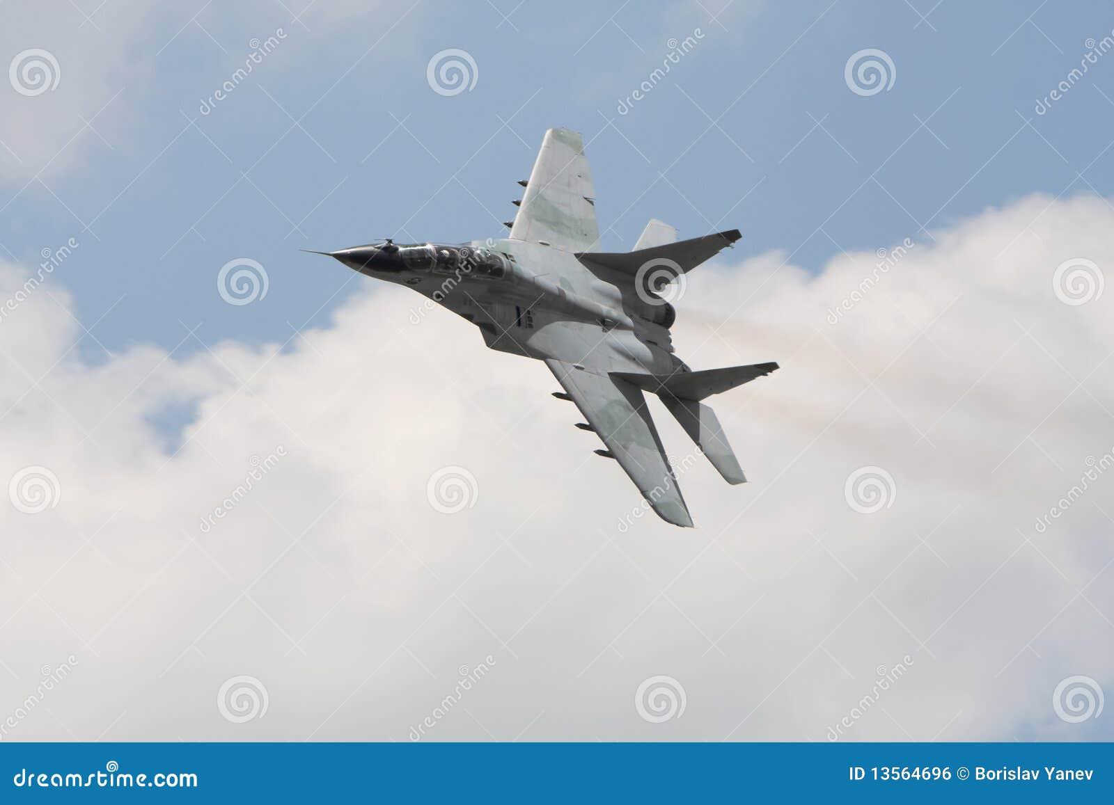 Aereo Da Combattimento Russo : Aereo da caccia militare russo mig immagine stock