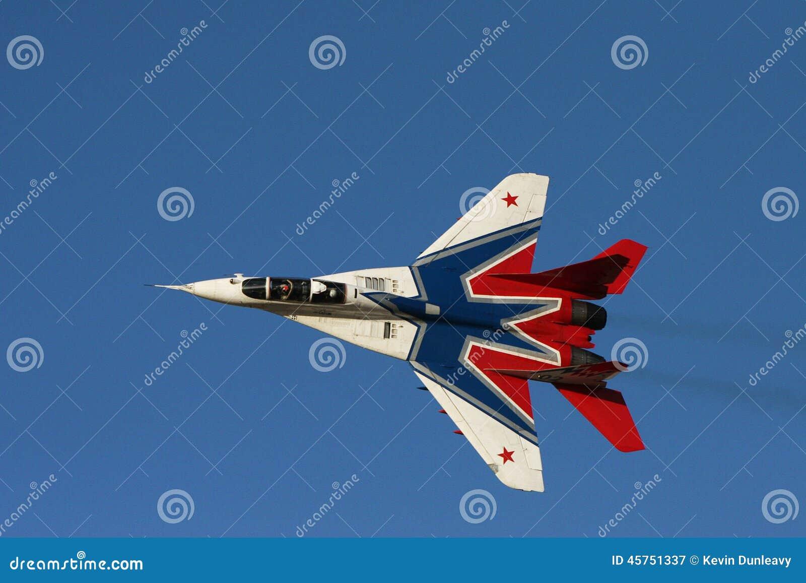Aereo da caccia russo a airshow