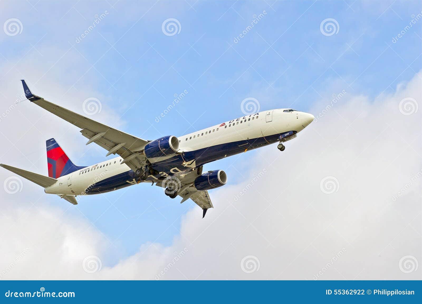 Aereo di linea dell annuncio pubblicitario di Delta Airlines