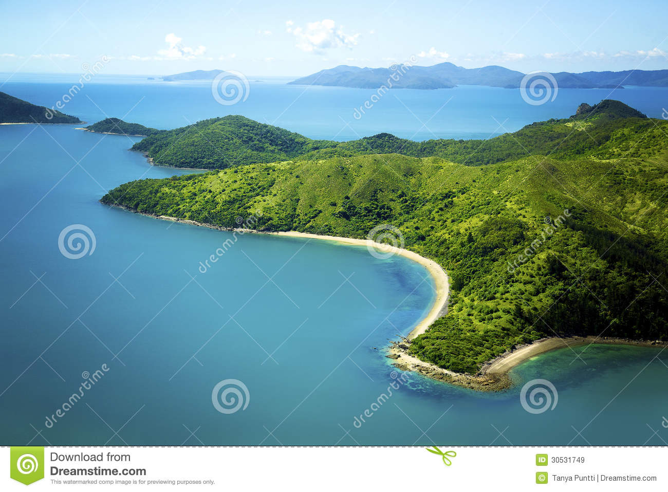 Dunk Island Holidays: Aerial Of Island In Whitsundays, Queensland Austra Stock