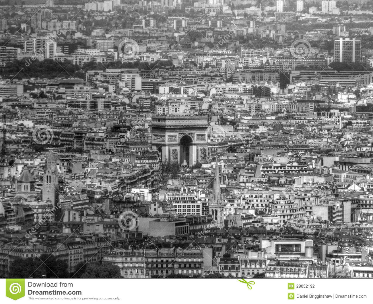 Aerial view of the arc de triomphe in paris stock for Photo de paris