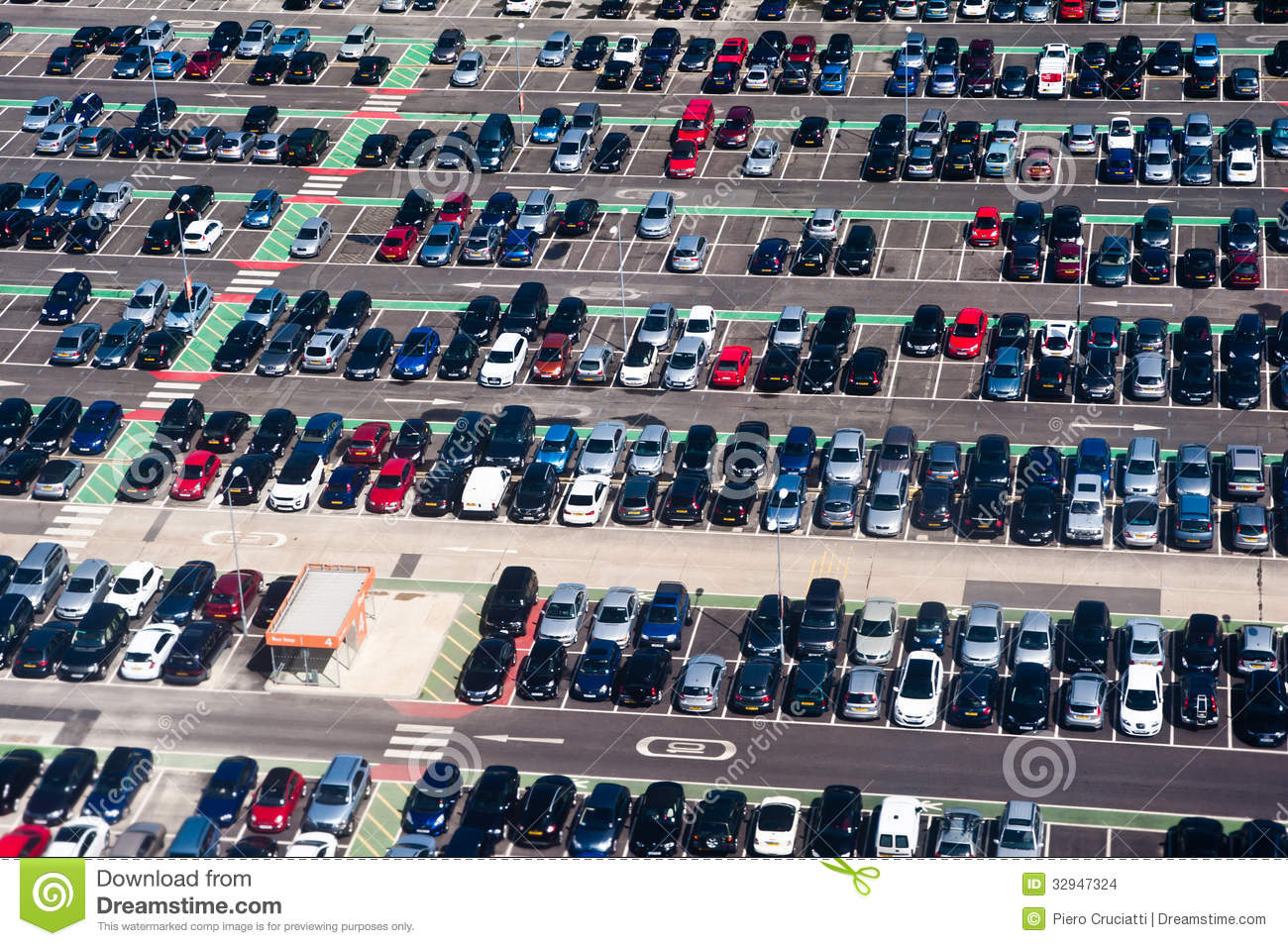 aerial view of car crowded parking lot stock images image 32947324. Black Bedroom Furniture Sets. Home Design Ideas