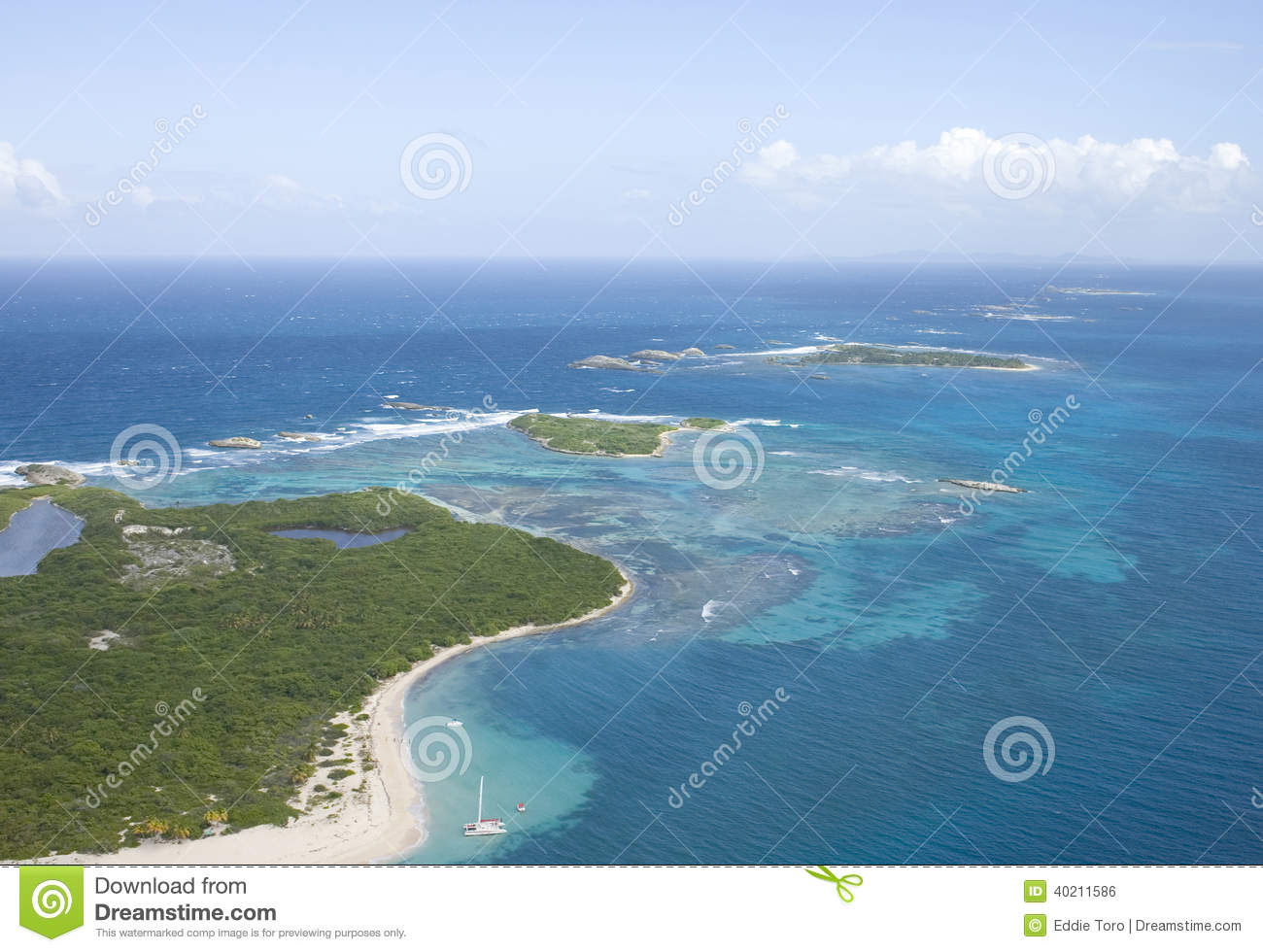 the island of puerto rico The geography of puerto rico consists of an archipelago located between the caribbean sea and the north atlantic ocean, east of the dominican republic and west of the virgin islands.