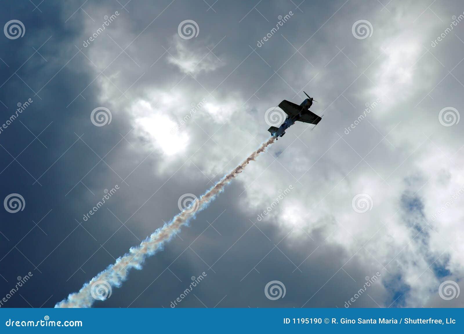 Aerobatic самолет