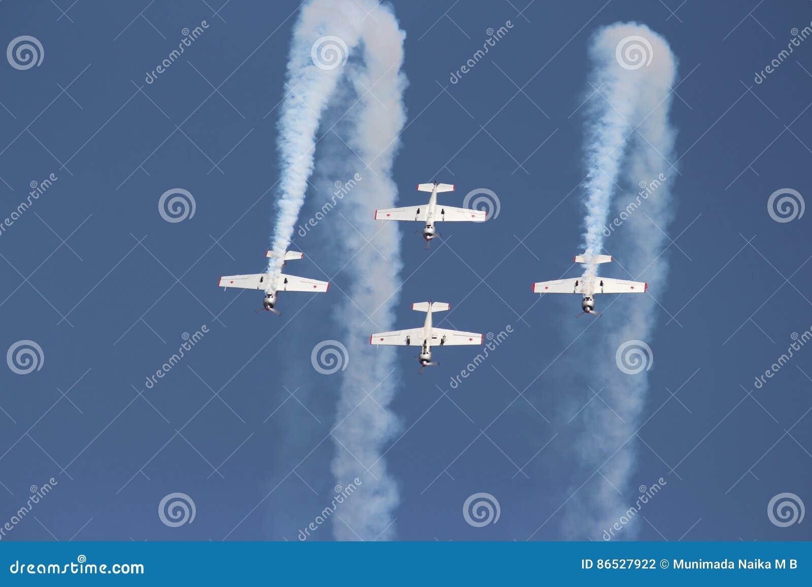 Aerobatic team : The Yakolevs