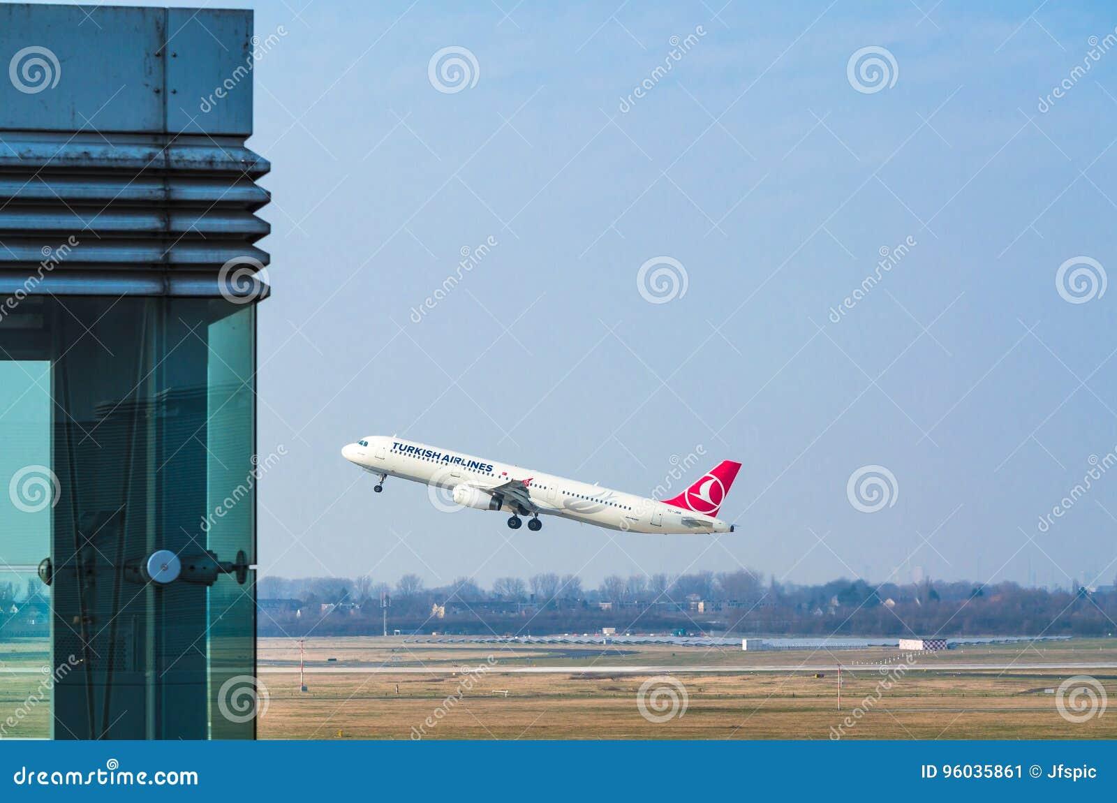 Aerobus A321 Turkish Airlines przy rozpoczęciem