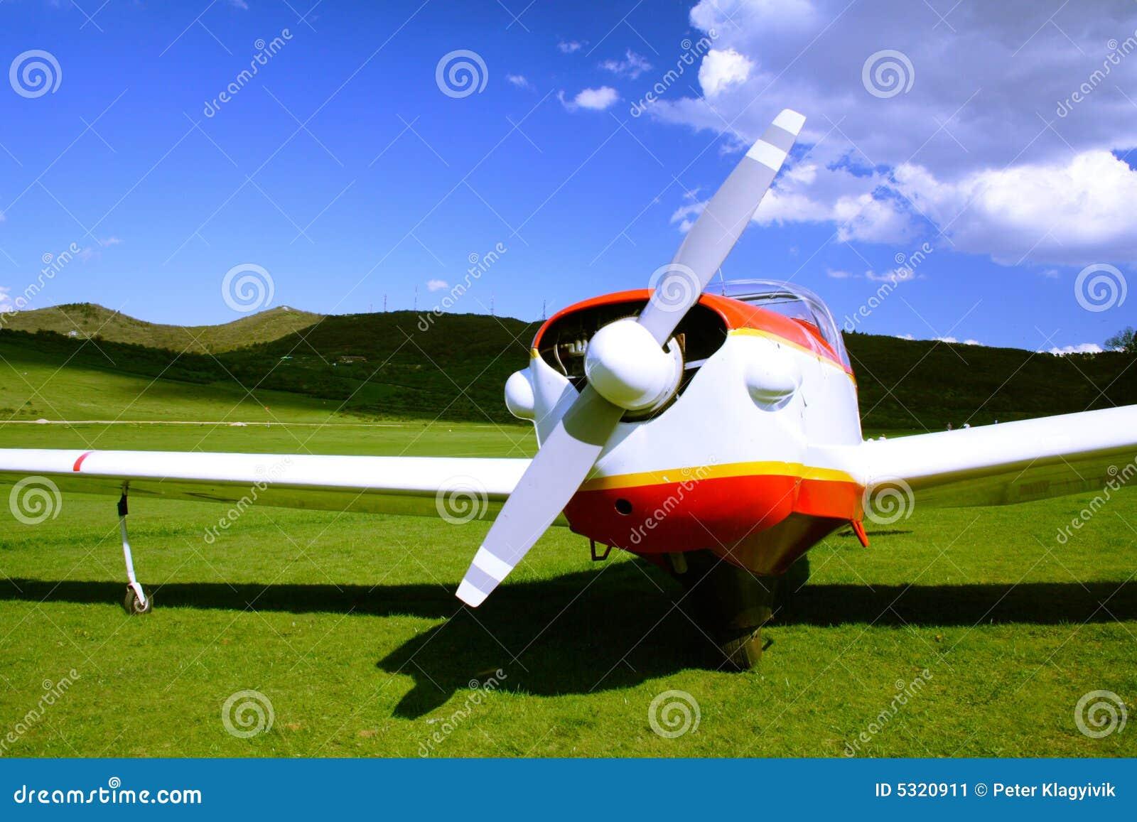 Download Aeroplano immagine stock. Immagine di orizzontale, lusso - 5320911
